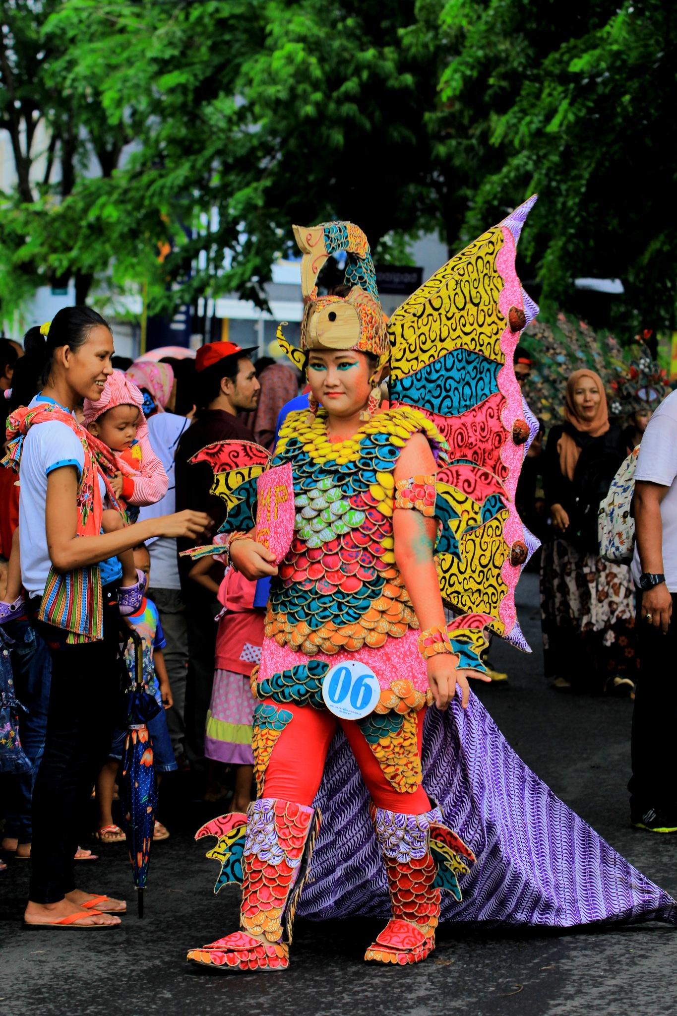 Pekalongan Batik Carnival 2016 by maharaniafifah
