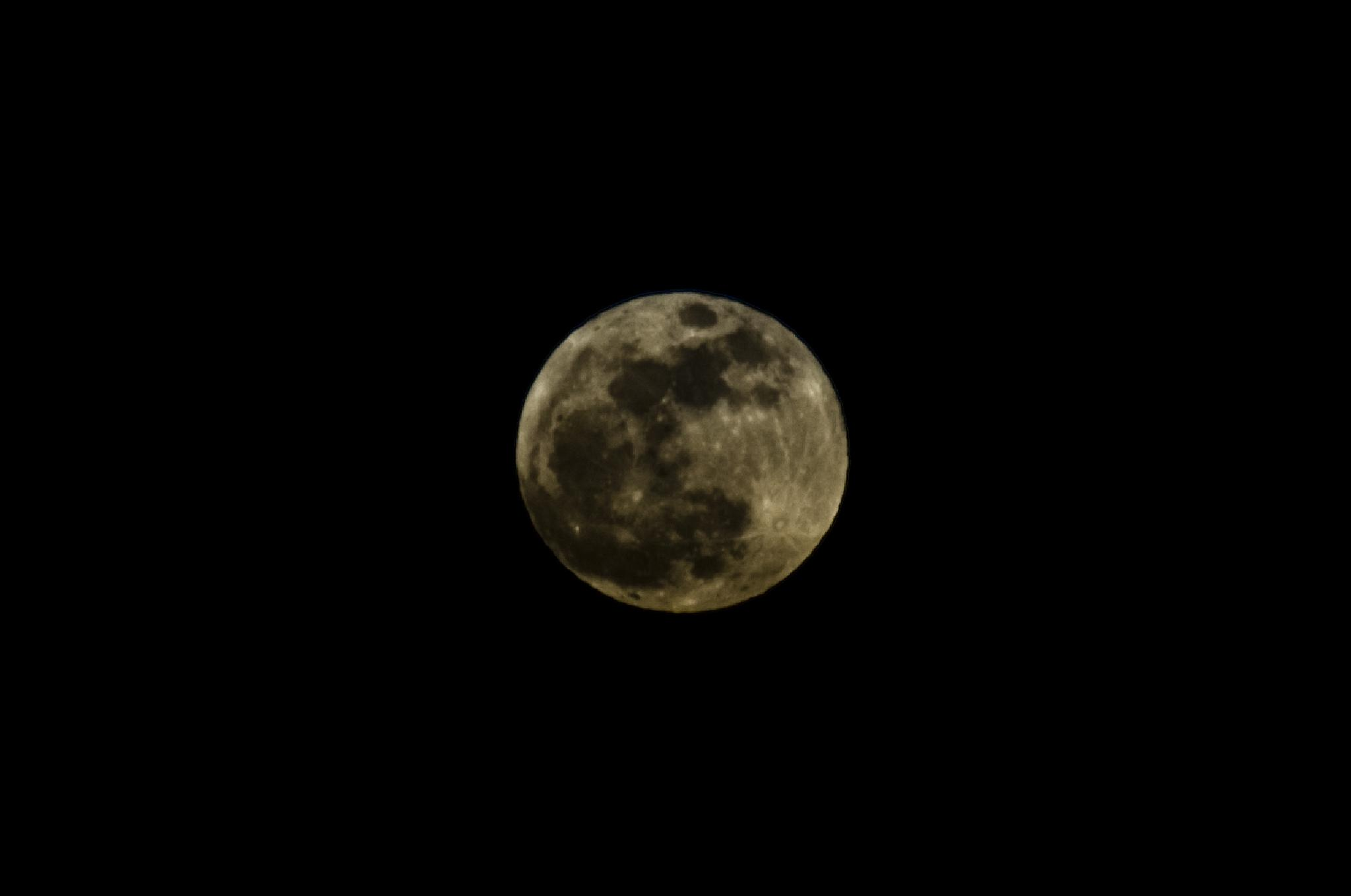 Full Moon  by MikeB28