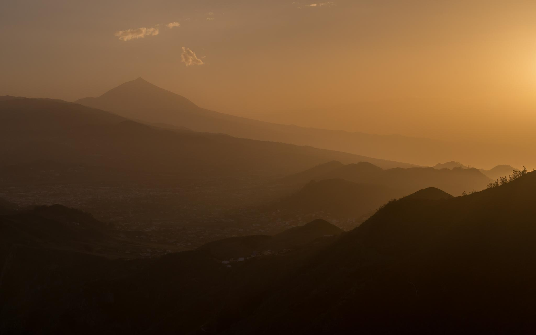 Tenerife sunset by Martynas Slapsys