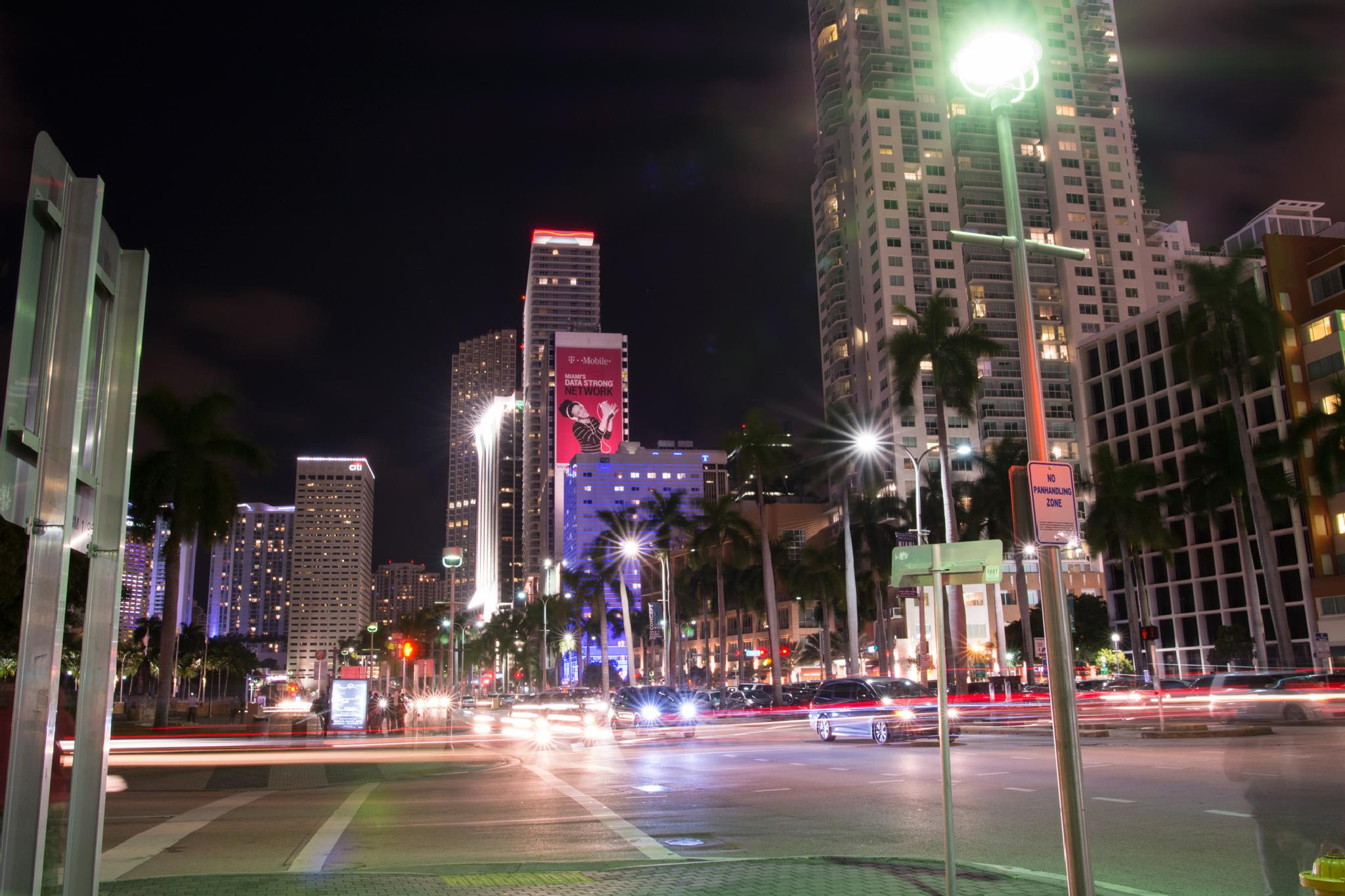 Miami Night life. by mtmoodyphotography