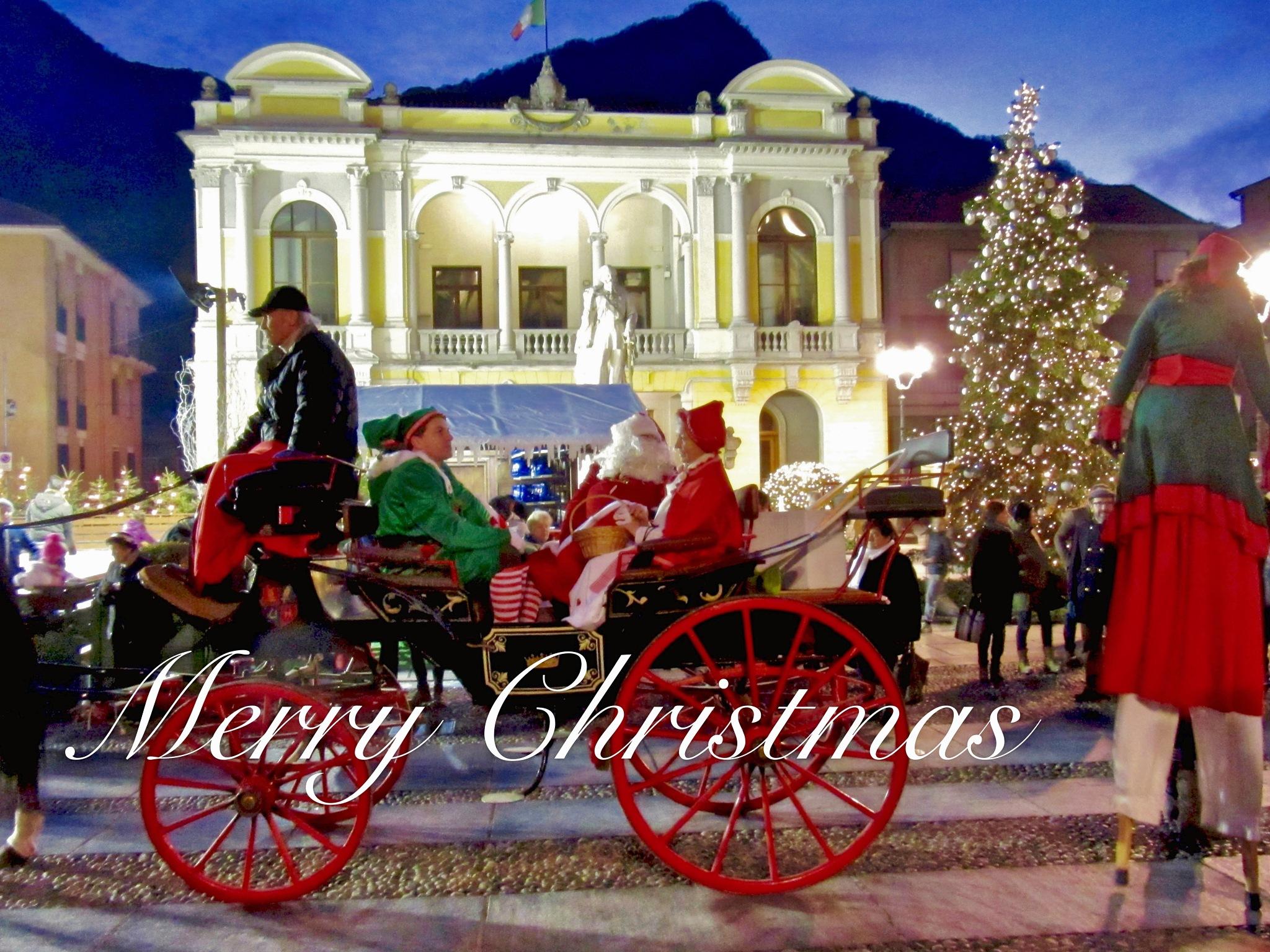 Santa's coming ... by LoryC