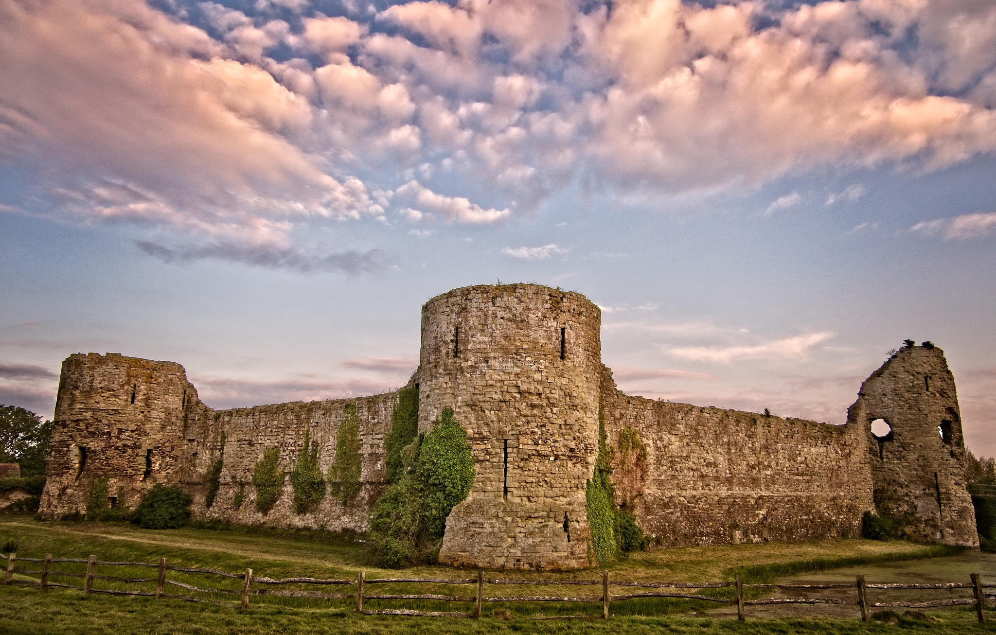 PEVENSEY CASTLE by BugOlsson