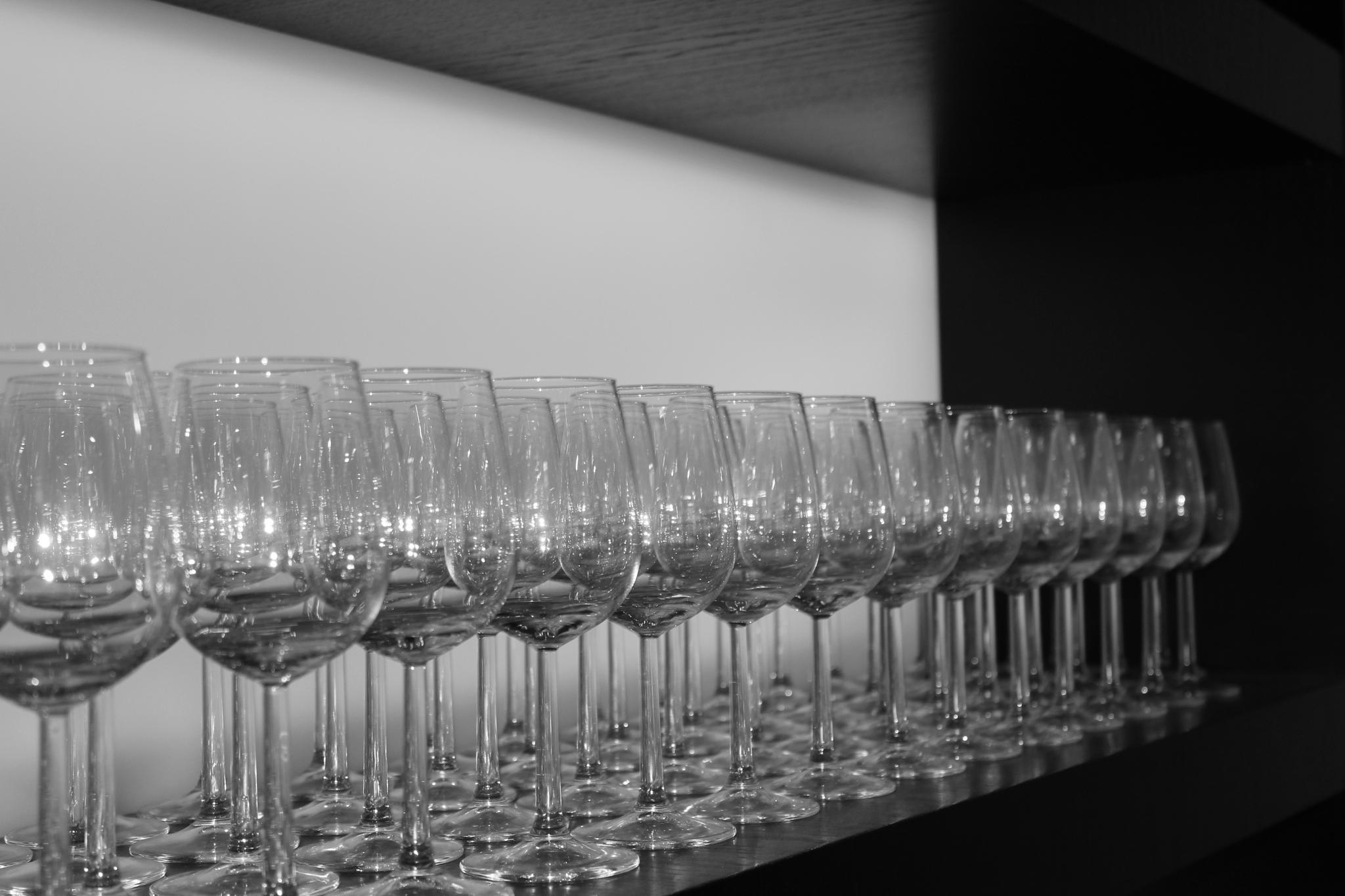 Wine glasses by John Weijts