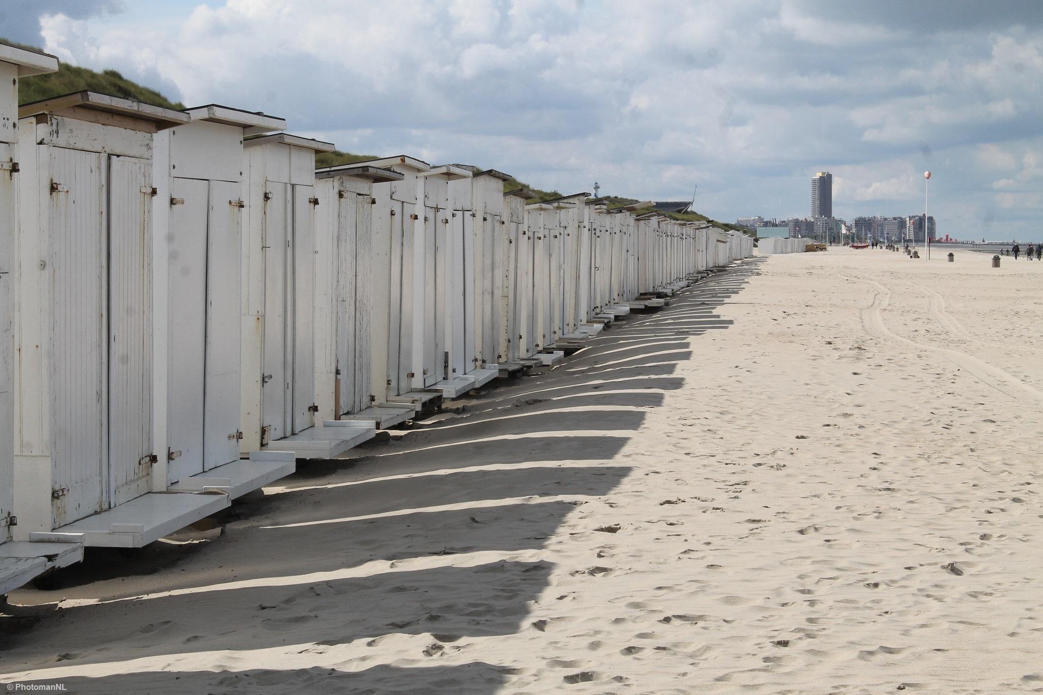 Beach at Bredene  by PhotomanNL