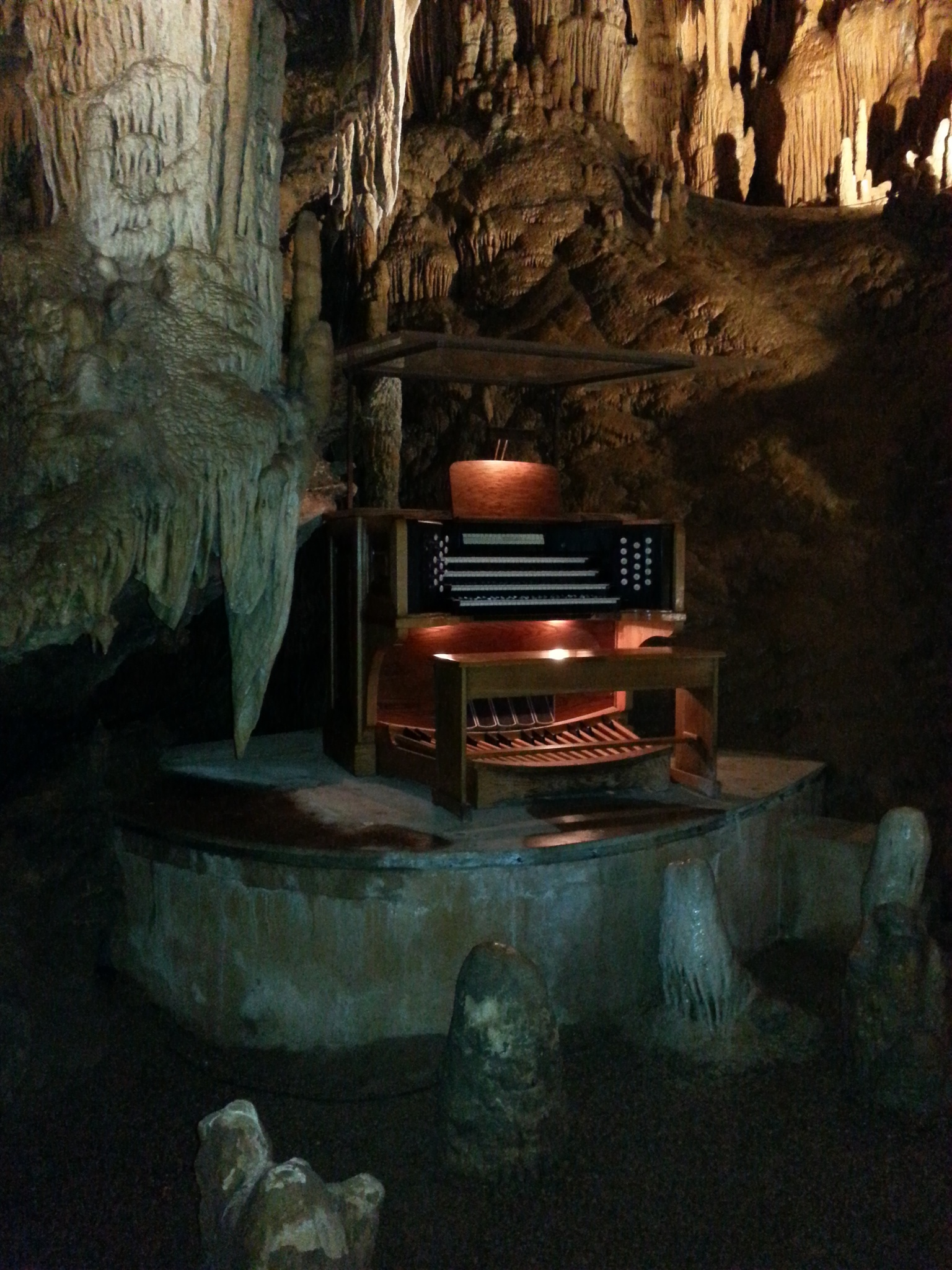 Organ in the Shenandoah Caverns . by Wayne Wilkinson