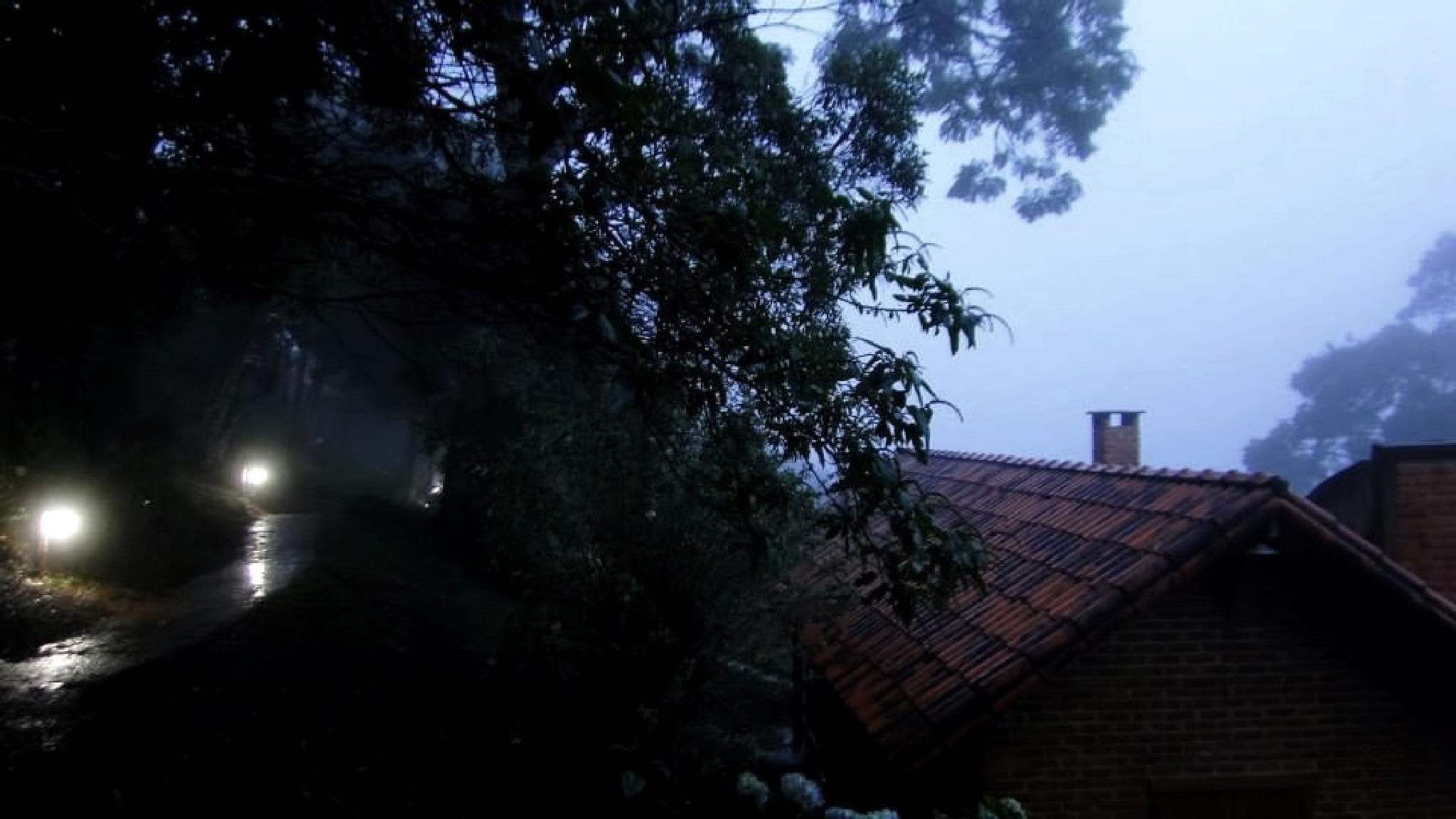 Rain in forest of Ibitipoca at night by Joselito Nardy Ribeiro