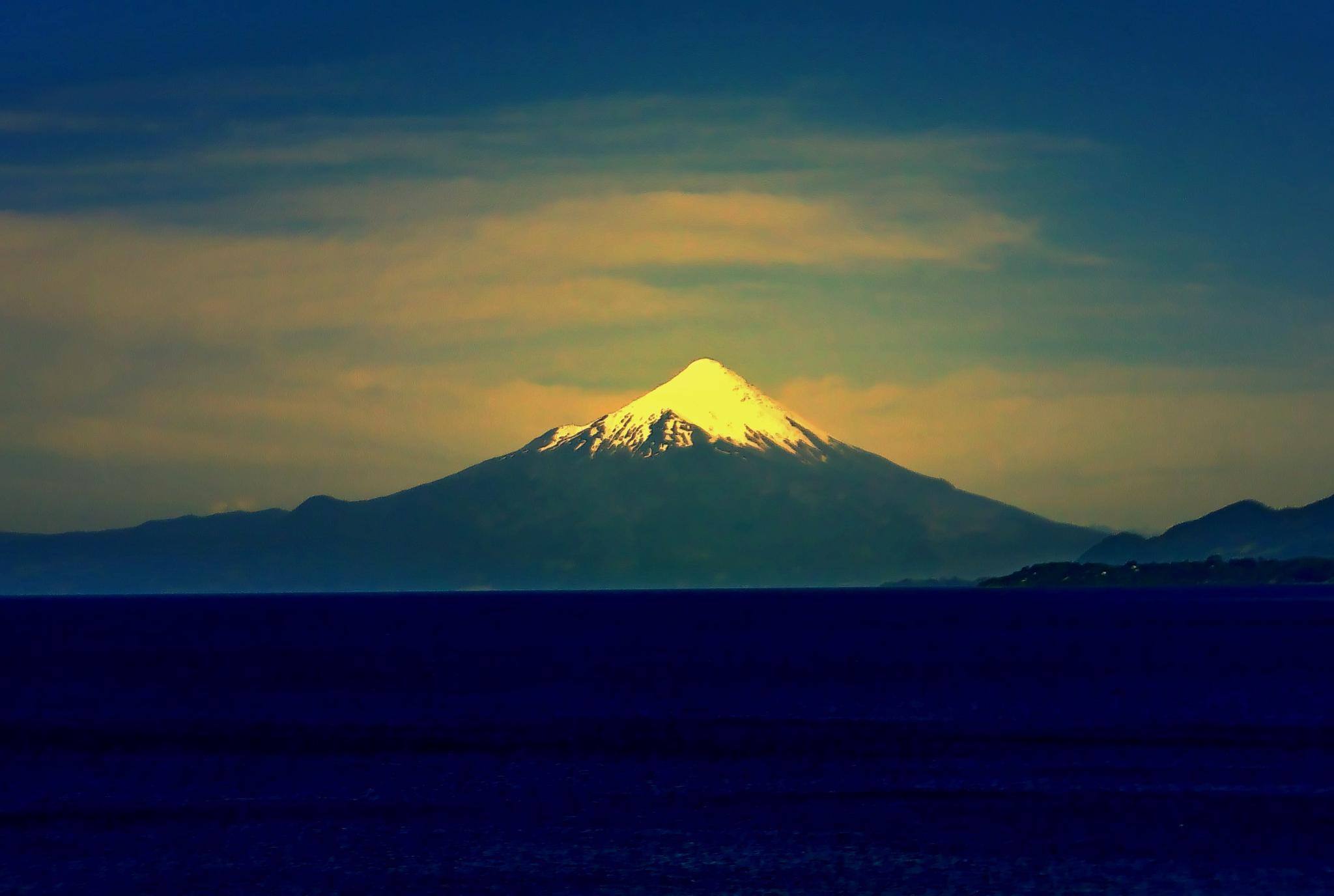 Osorno Vulcano, Puerto Varas, Chile. by Joselito Nardy Ribeiro