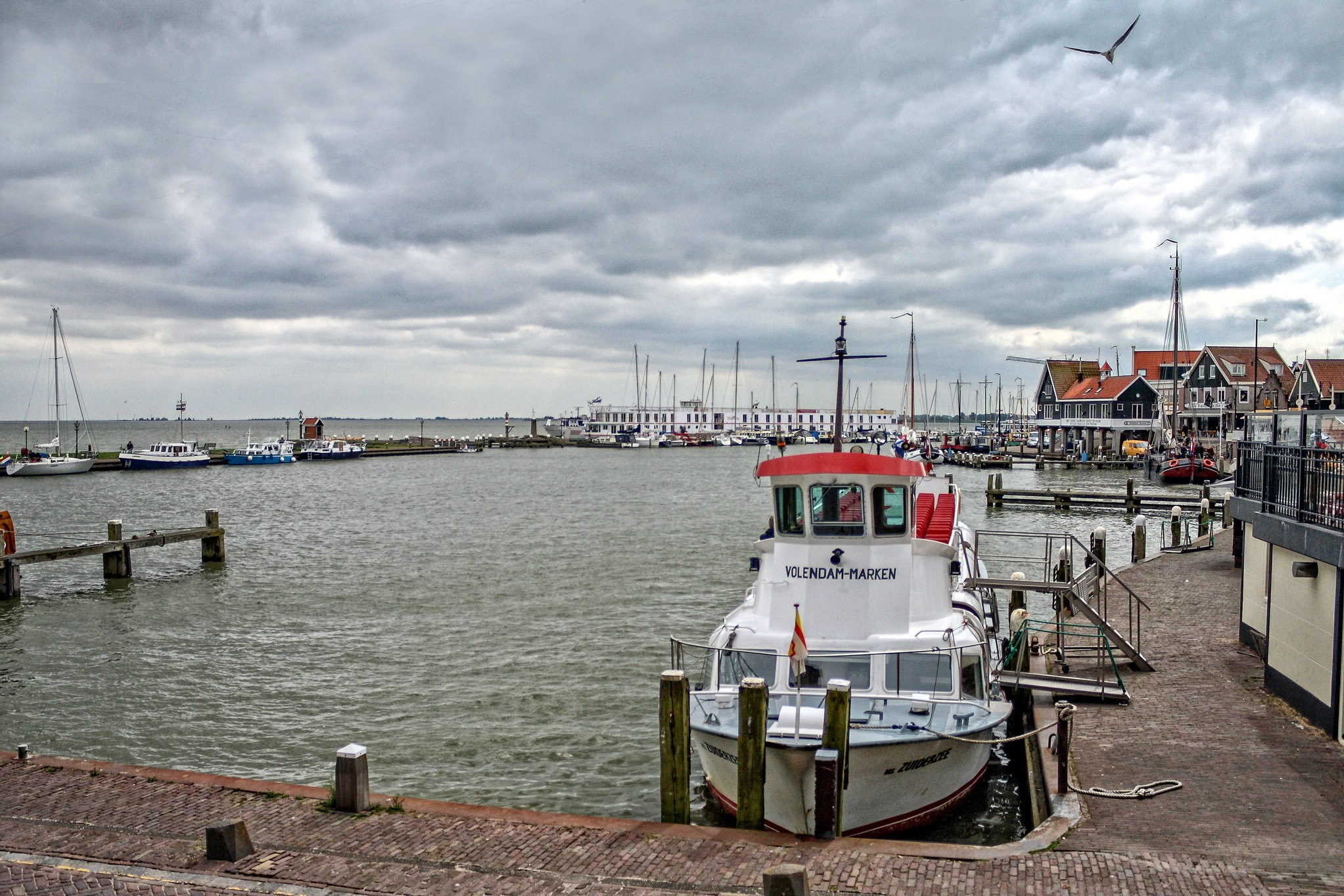 Volendam. For Hans Lunemborg. by Stamatis Vlahos