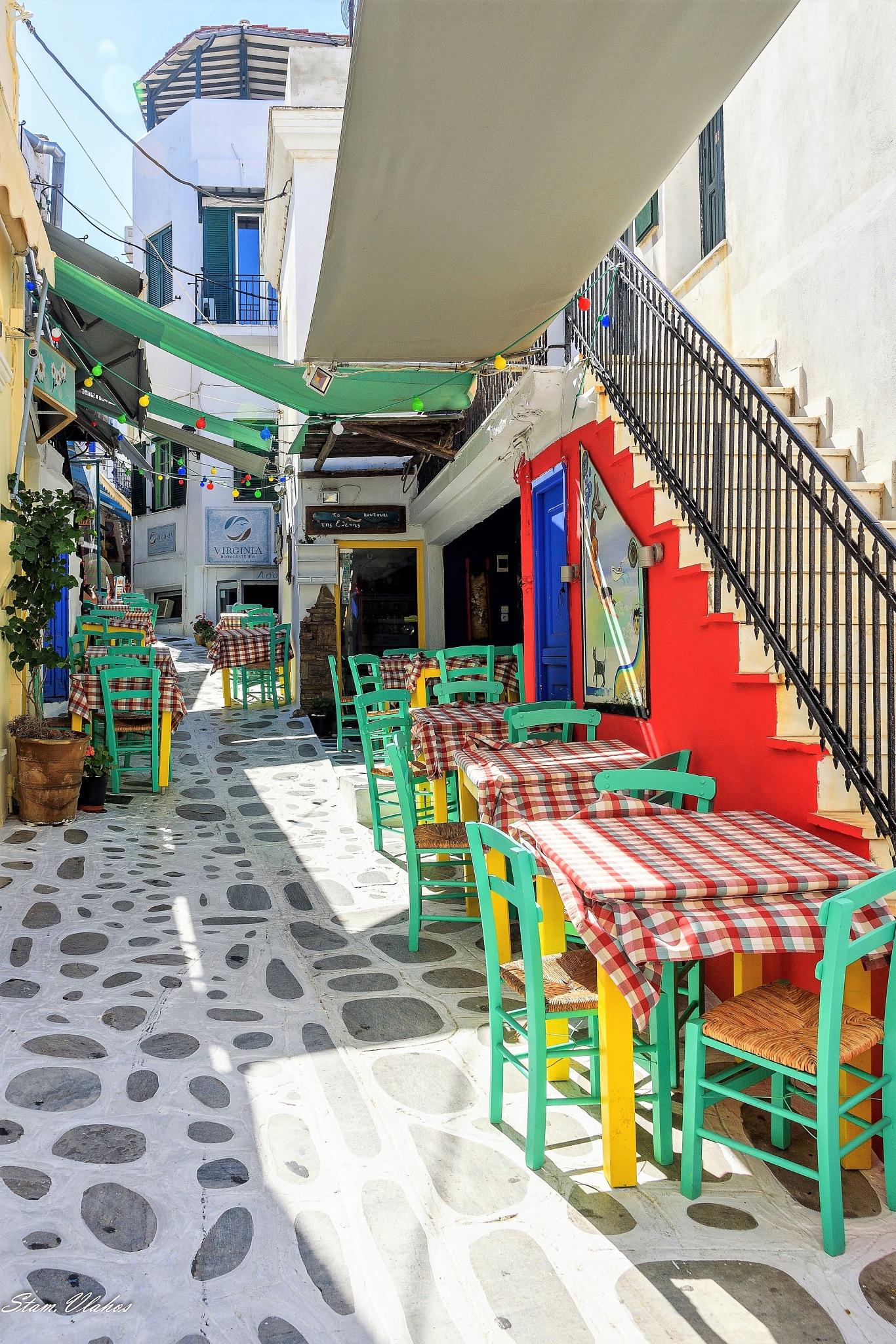 Beutiful alleyways by Stamatis Vlahos