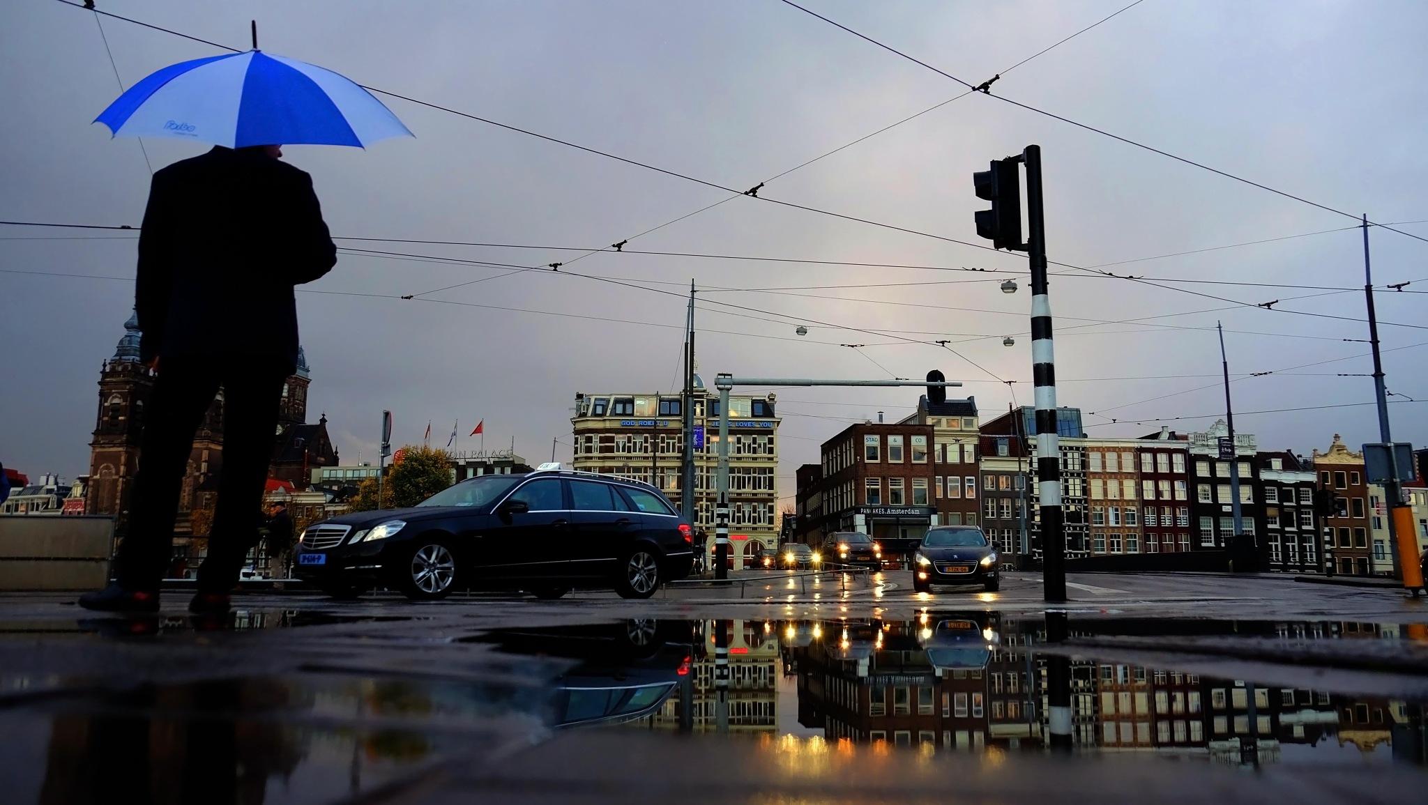 Amsterdam by tayfun Karahasan