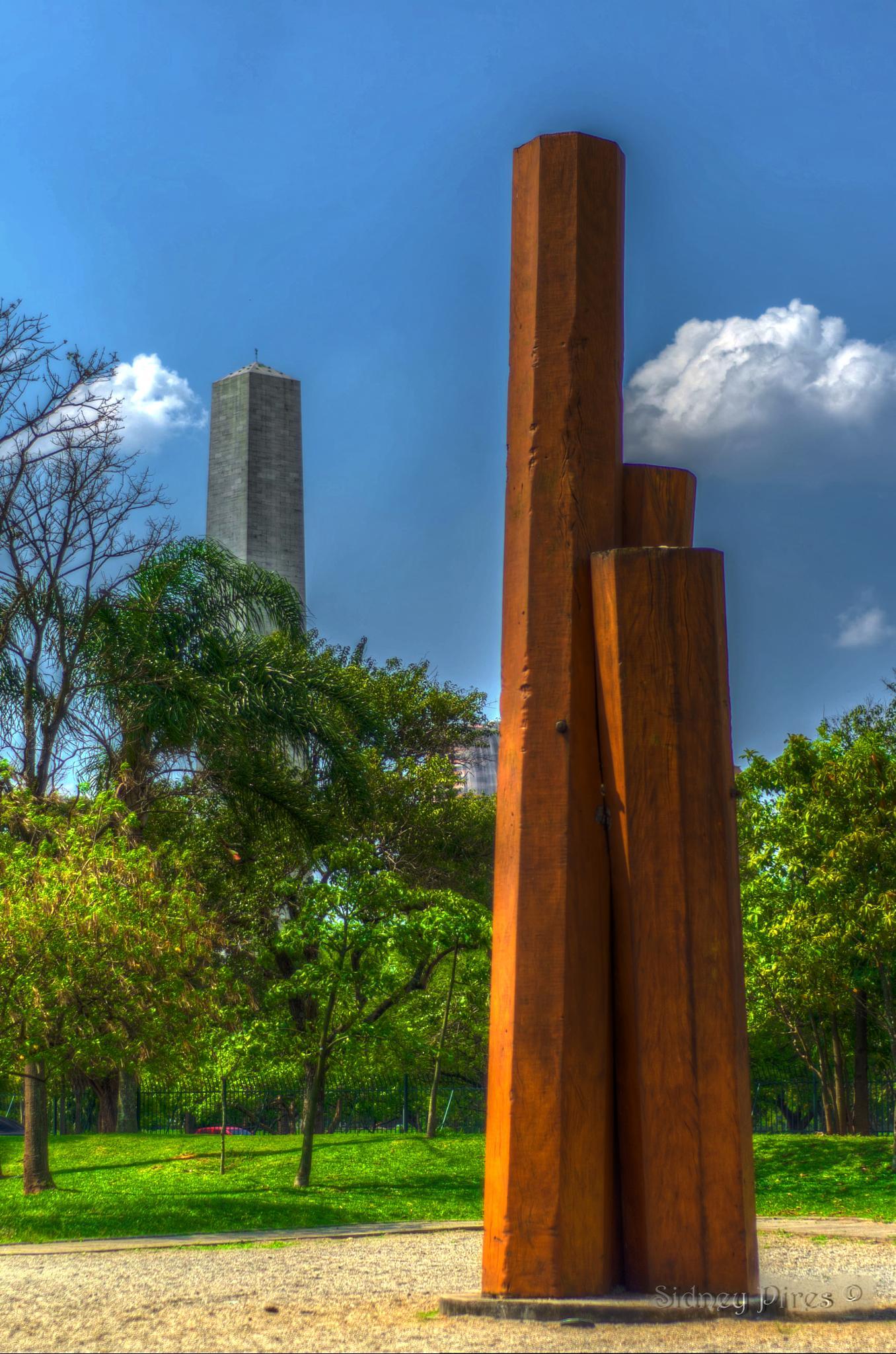 obelisco e escultura by Sidney Pires Fotografia