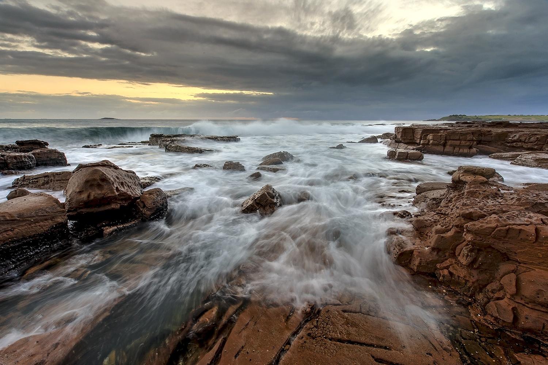 A Grey Start  Port Kembla NSW by Graeme Cox
