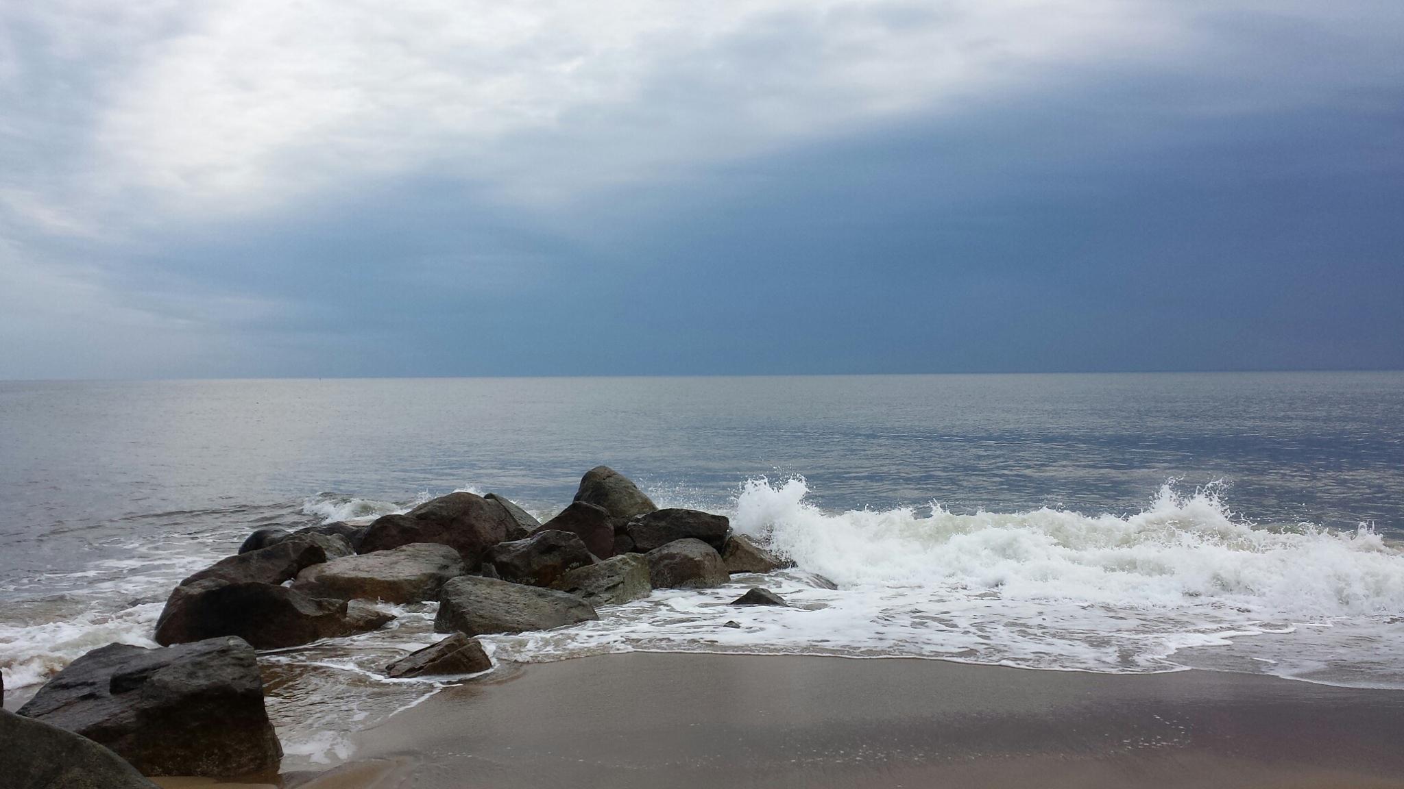 The rocks on a calm, grey day by wa6dia359