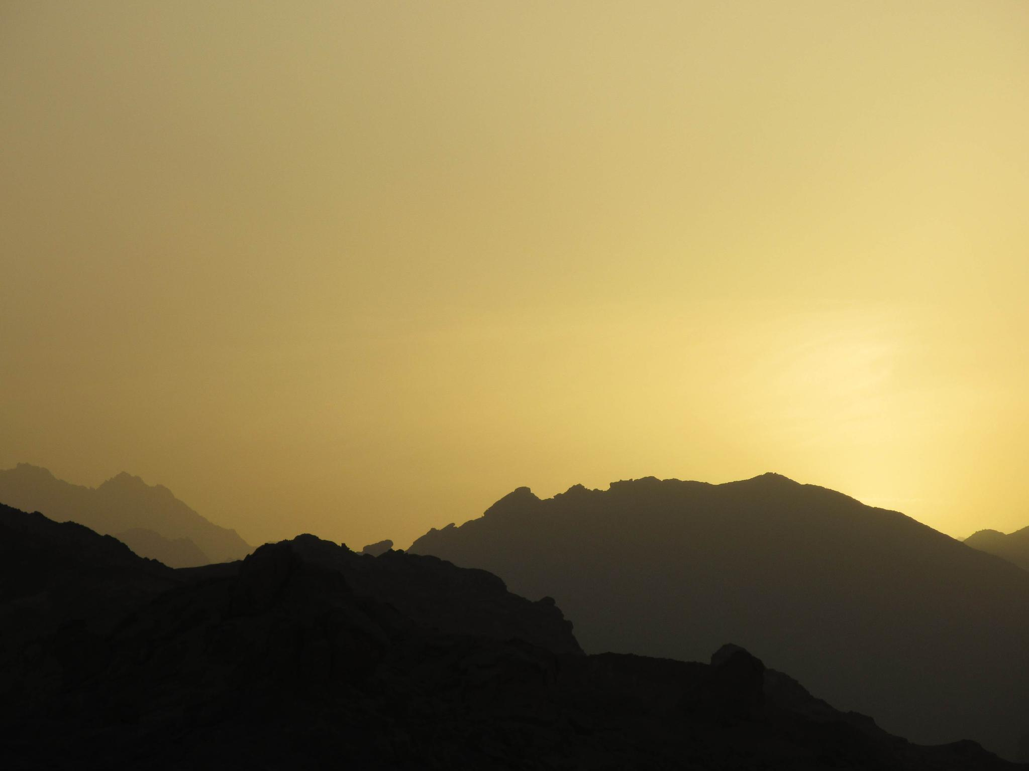 Sunset in the desert by Kim Rehnfeldt