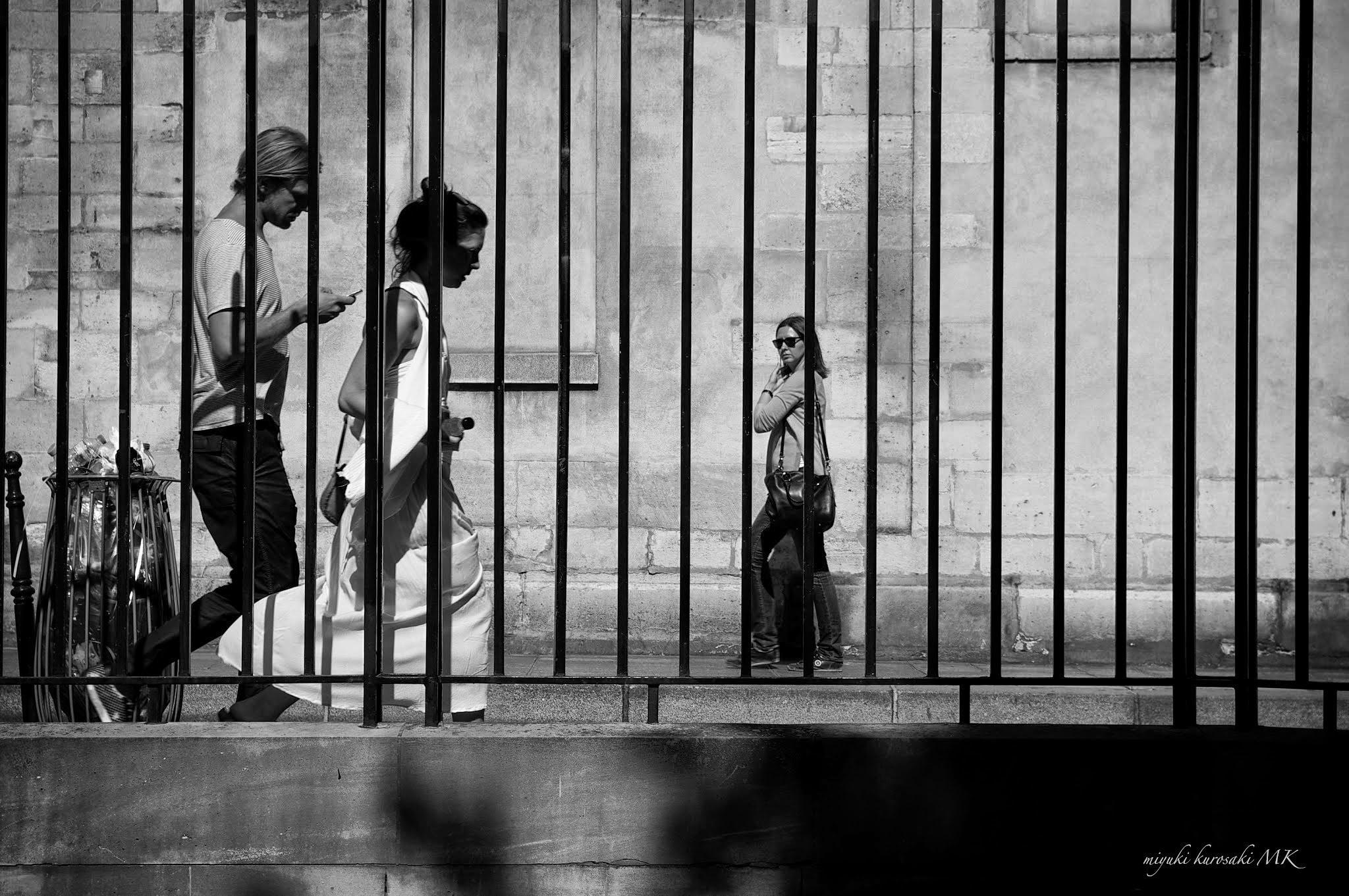 Slow time in Paris.. by miyuK