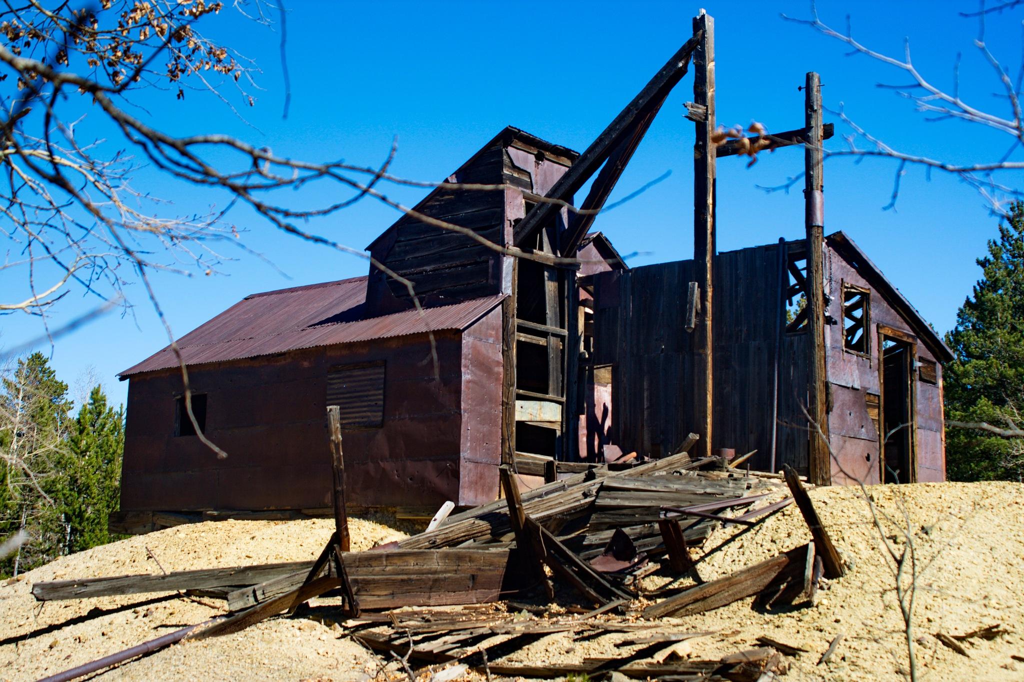 Old Mining Mill by daniel.luna.77920