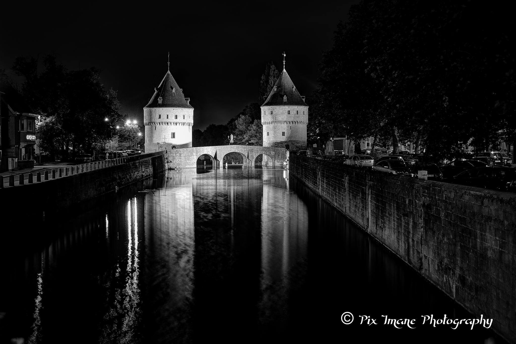 Broeltowers at the Lys in Kortrijk - West-Vlaanderen - Belgium by PixImane Photography
