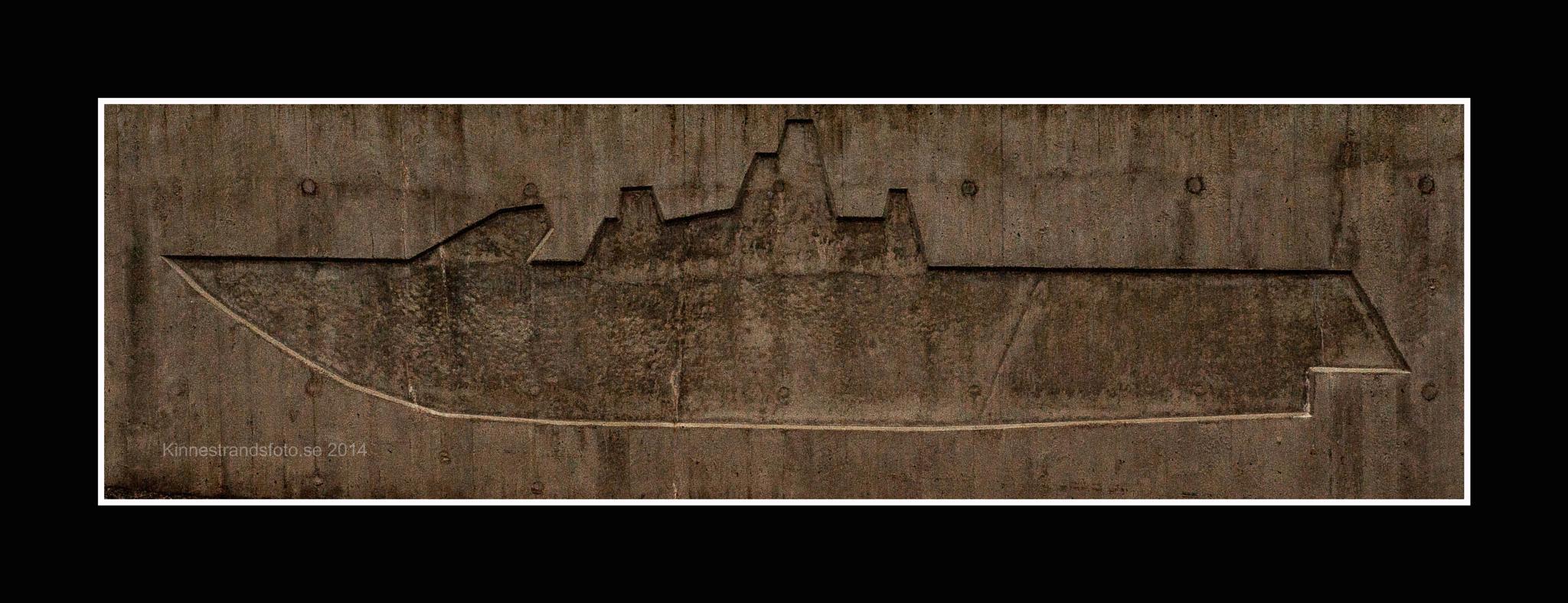 concrete boat by Hakan kinnestrand