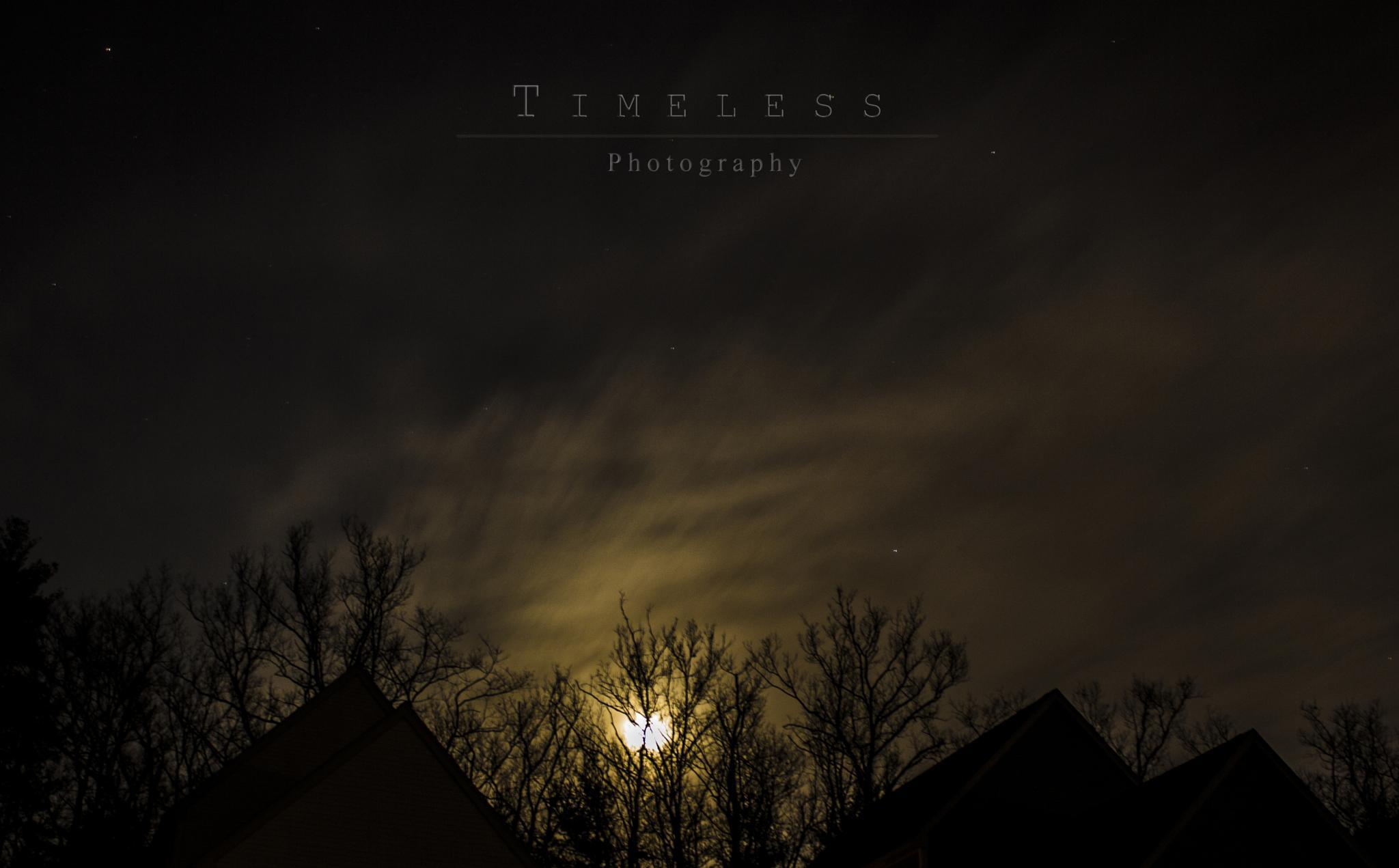 Beautiful full moon by timelessphotosrk