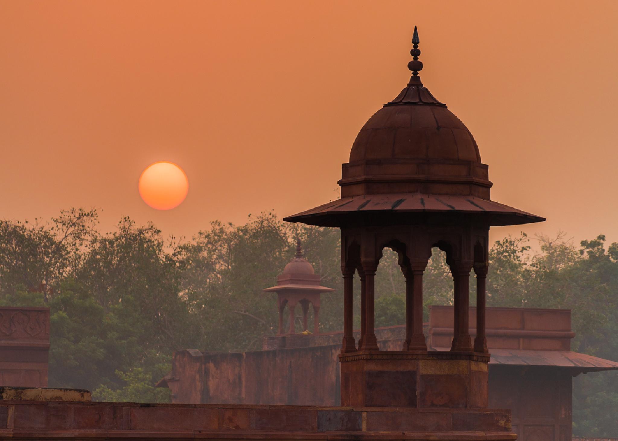 Hazy Sunrise at Agra by William Yu Photography