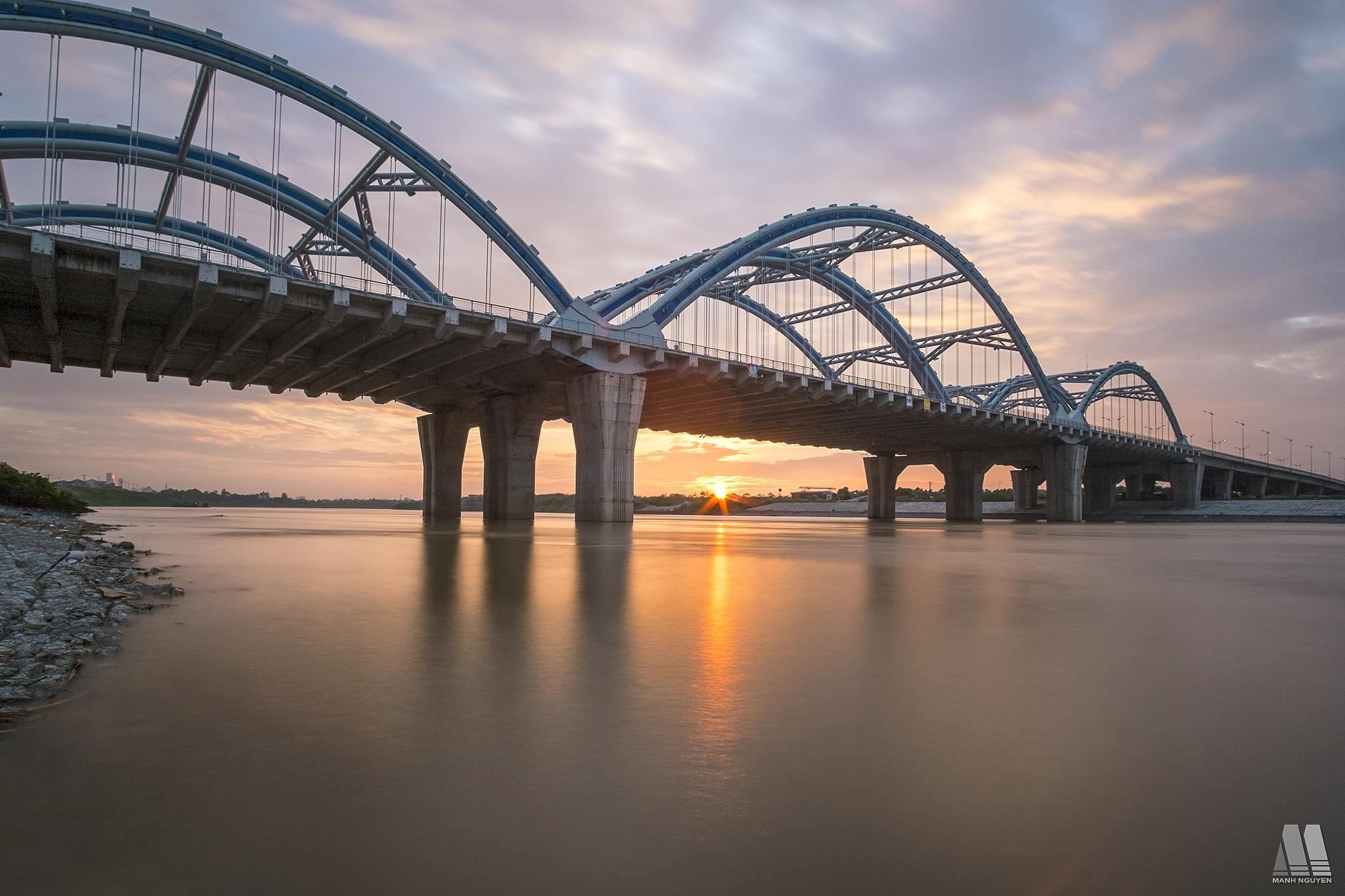 Dong Tru bridge by Manhck