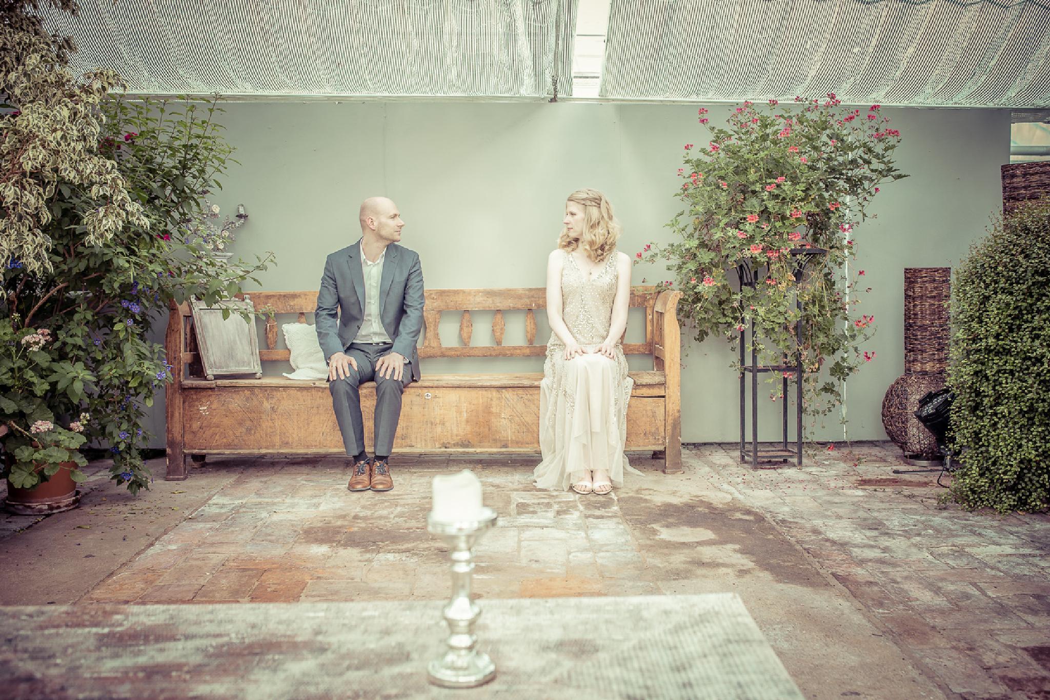 Small Wedding  by Hochzeitsfotograf München Charles Diehle