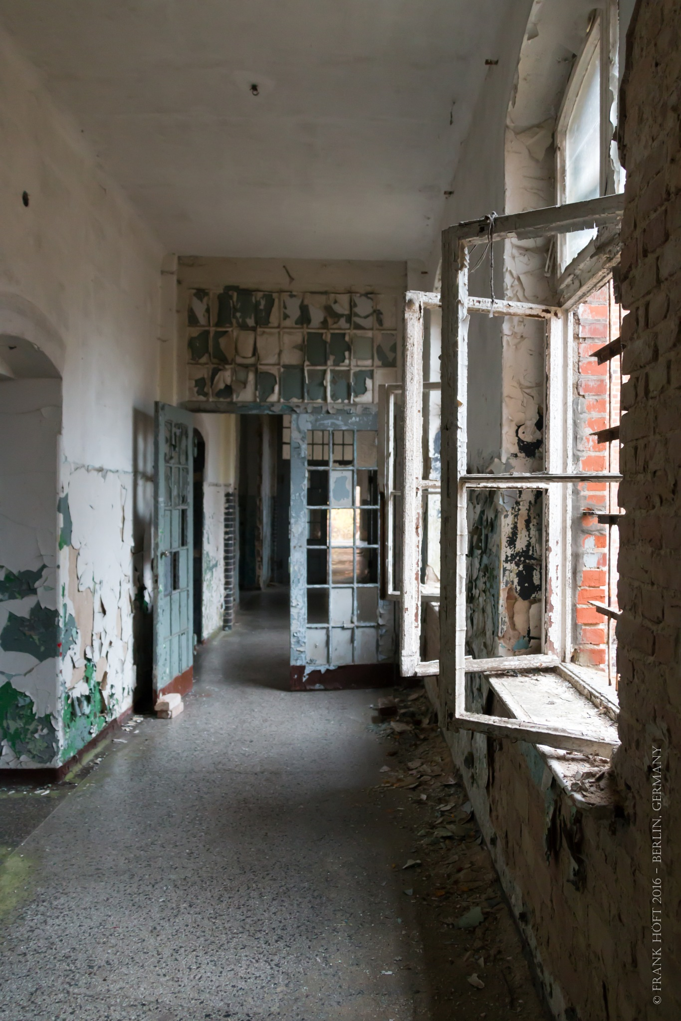 the corridor by Frank Höft