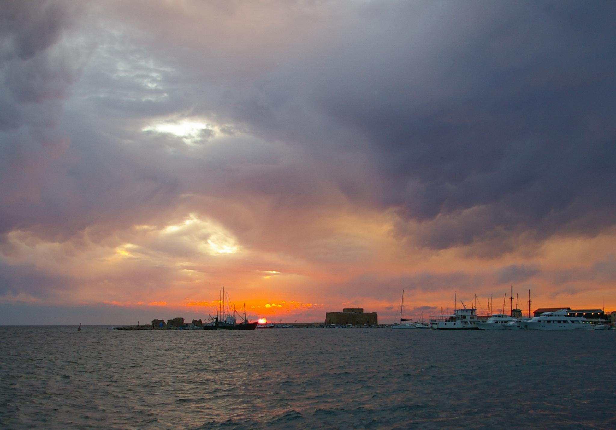 Evening sky by Katja Potapova