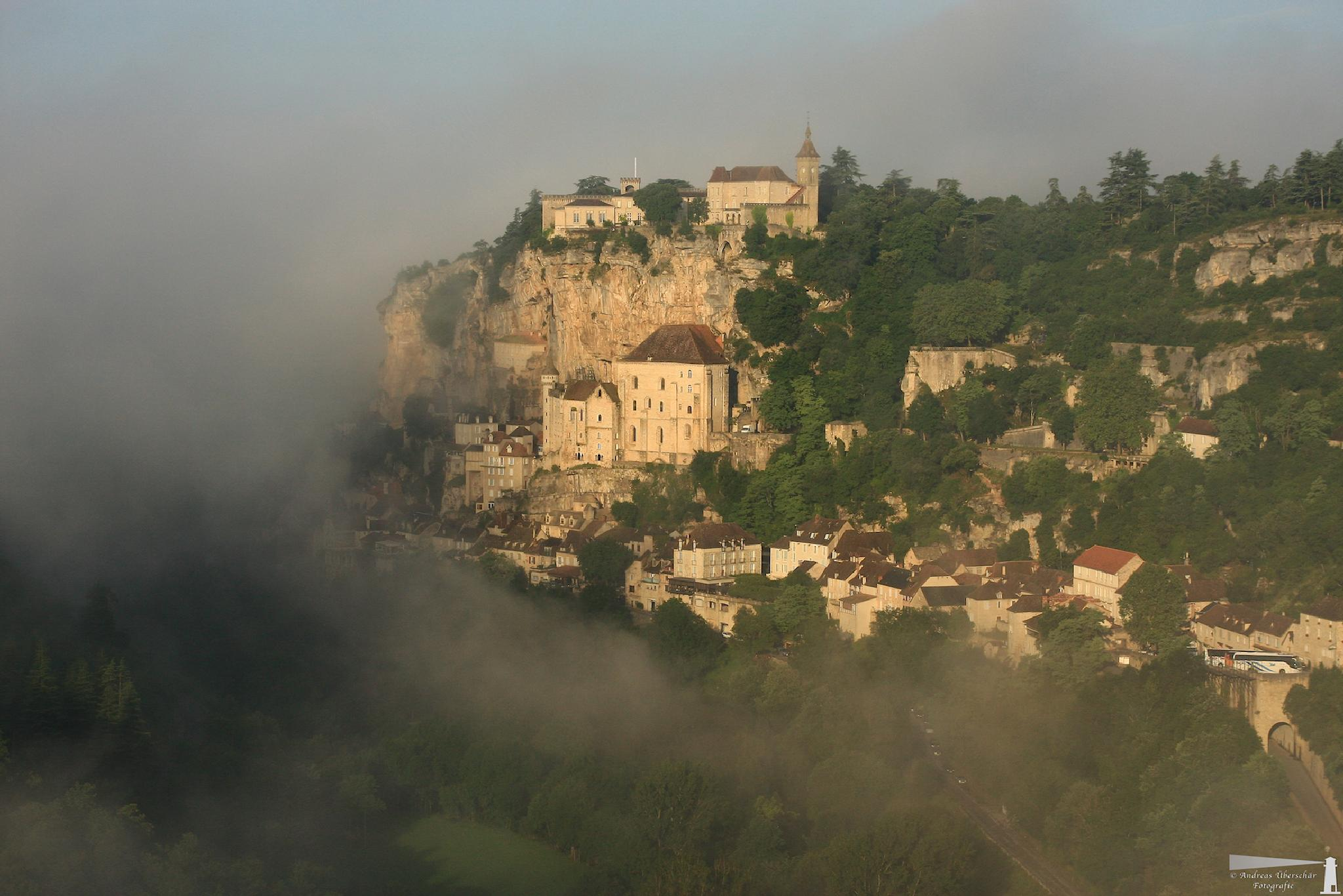 Rocamadour - fog in the morning by Andreas Überschär Fotografie
