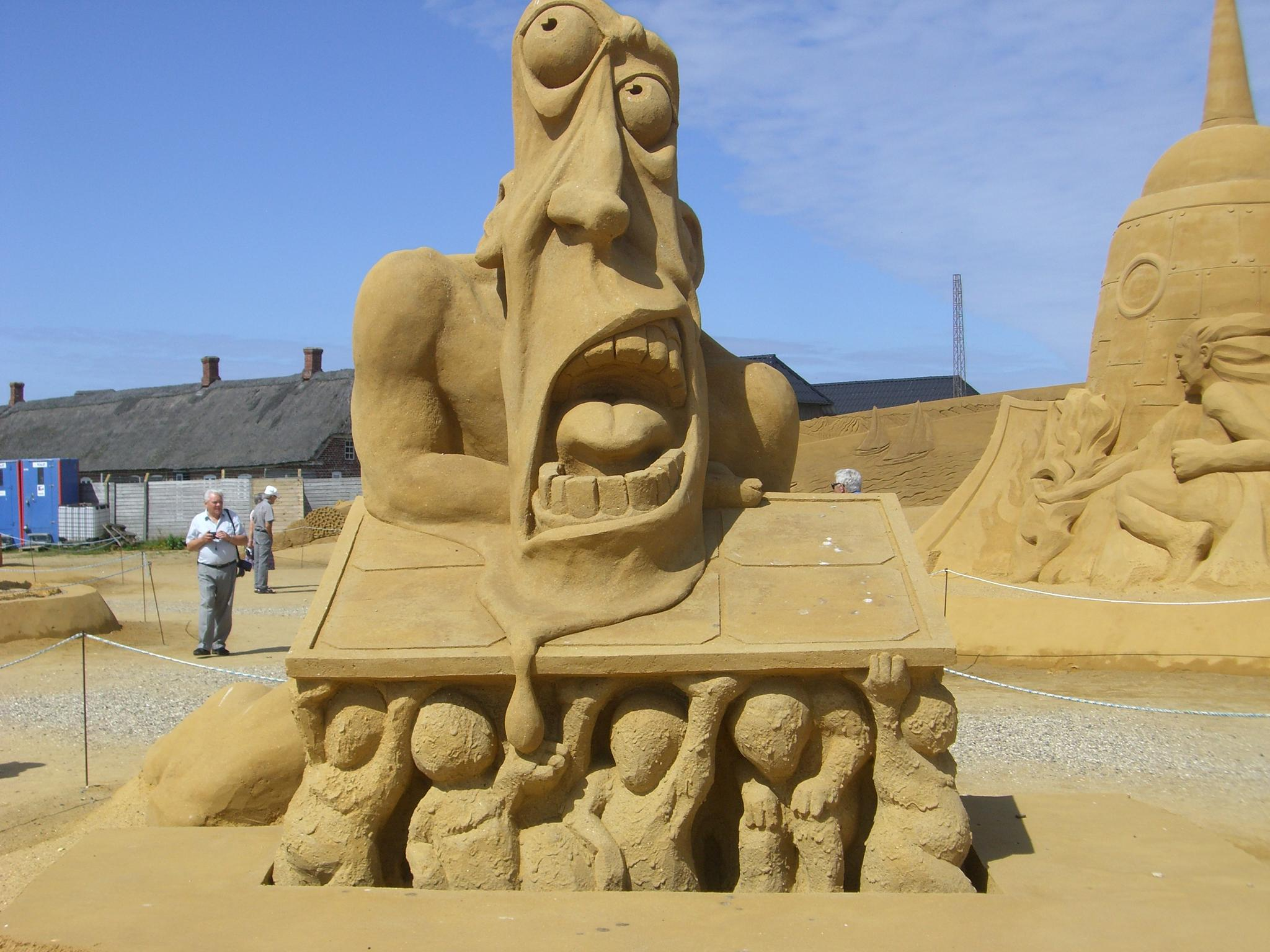 Sandsculptures by Sijb Huijser