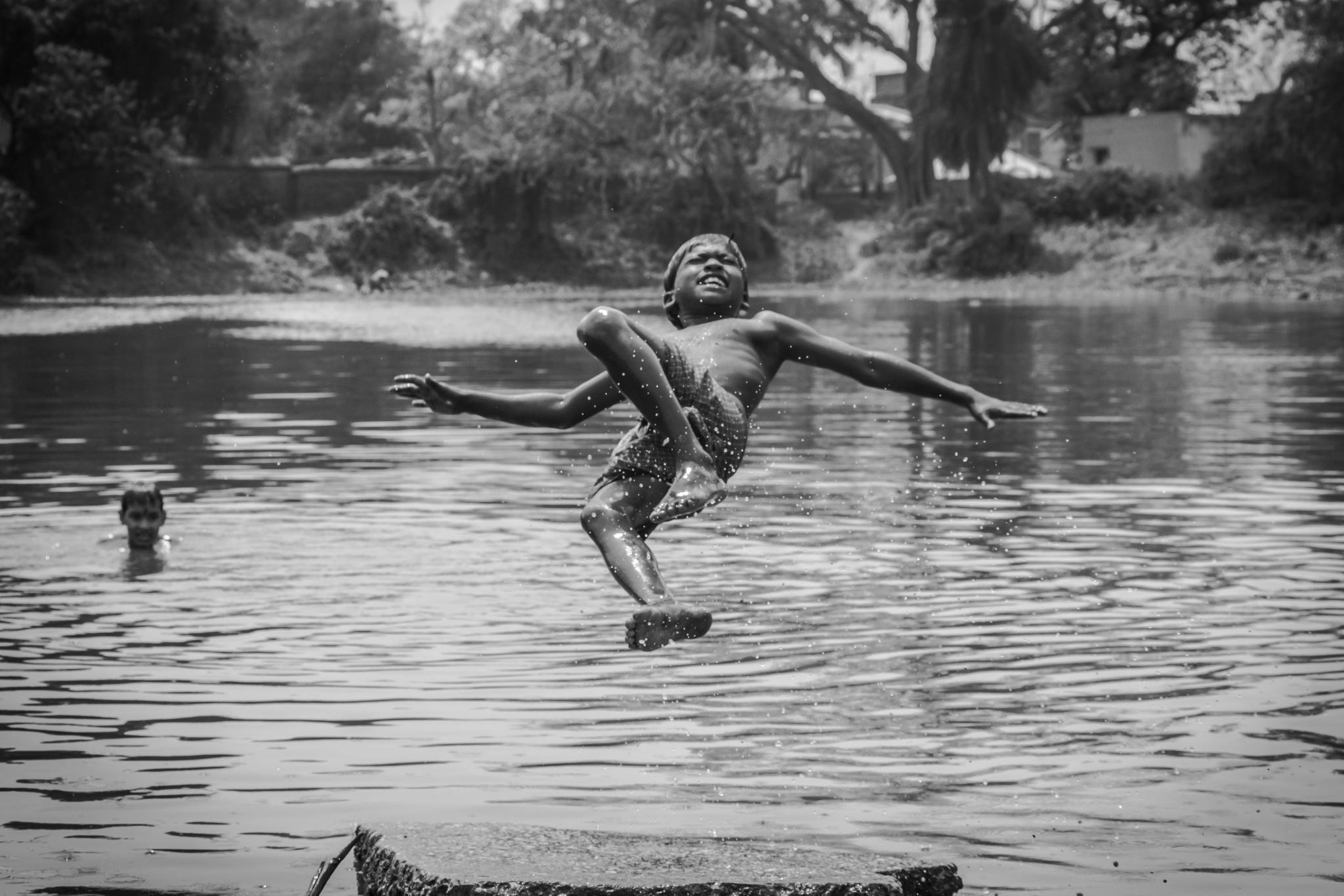 dive of happiness.. by arka.banerjee.samrat