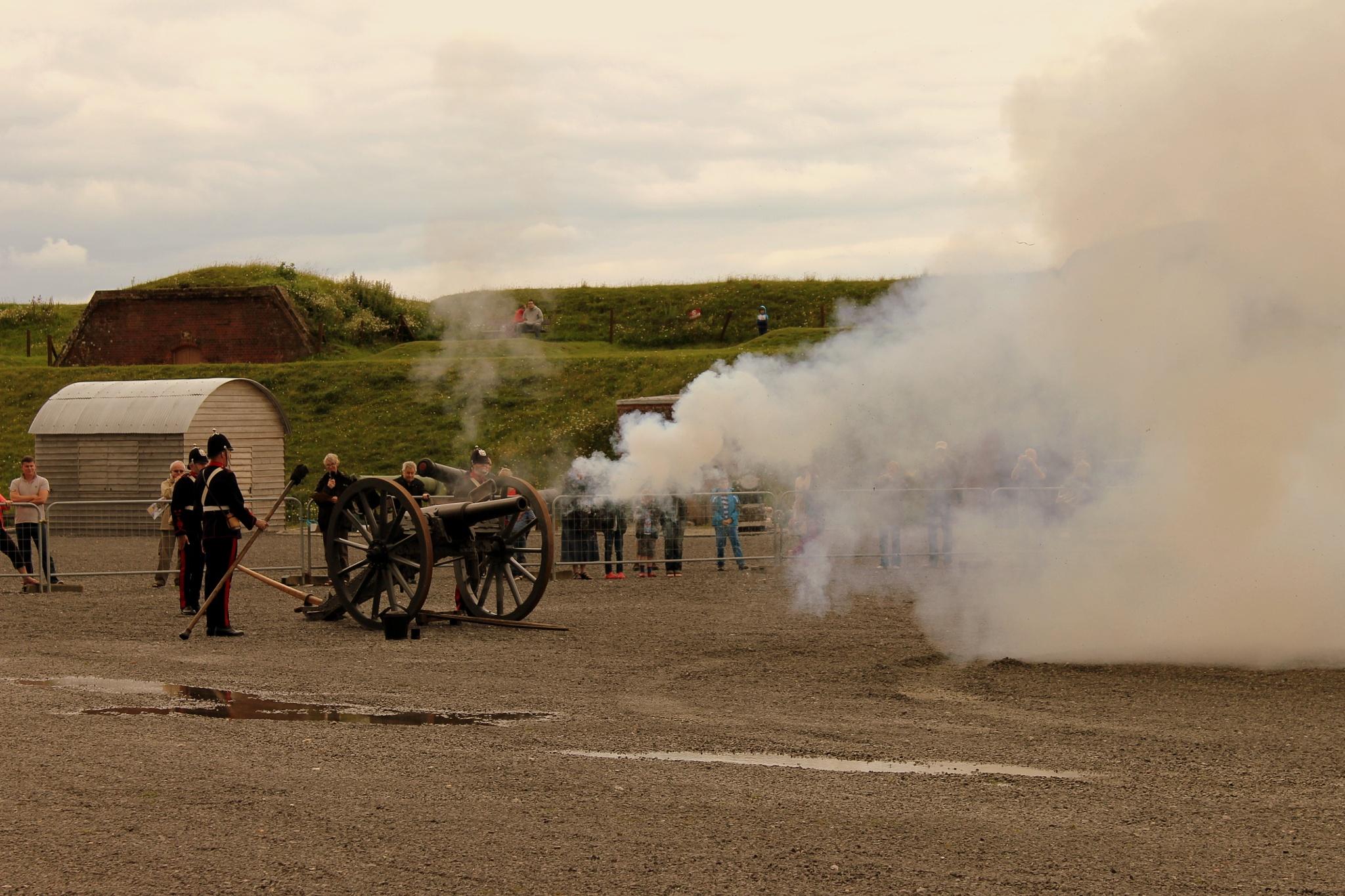 Gun firing at Fort Nelson (Portsdown Hill- Portsmouth) by Tony Bent