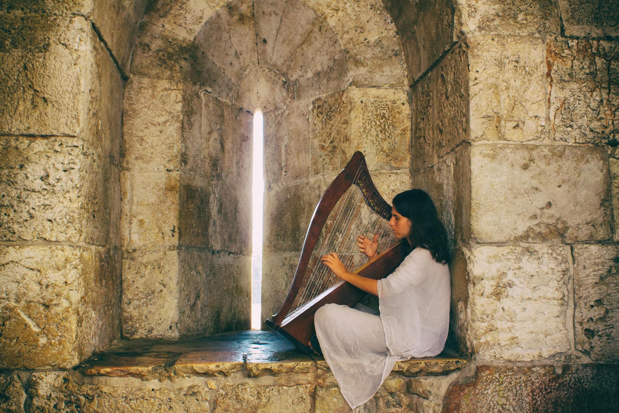 Music in Jaffa Gate by Egor Stronhin
