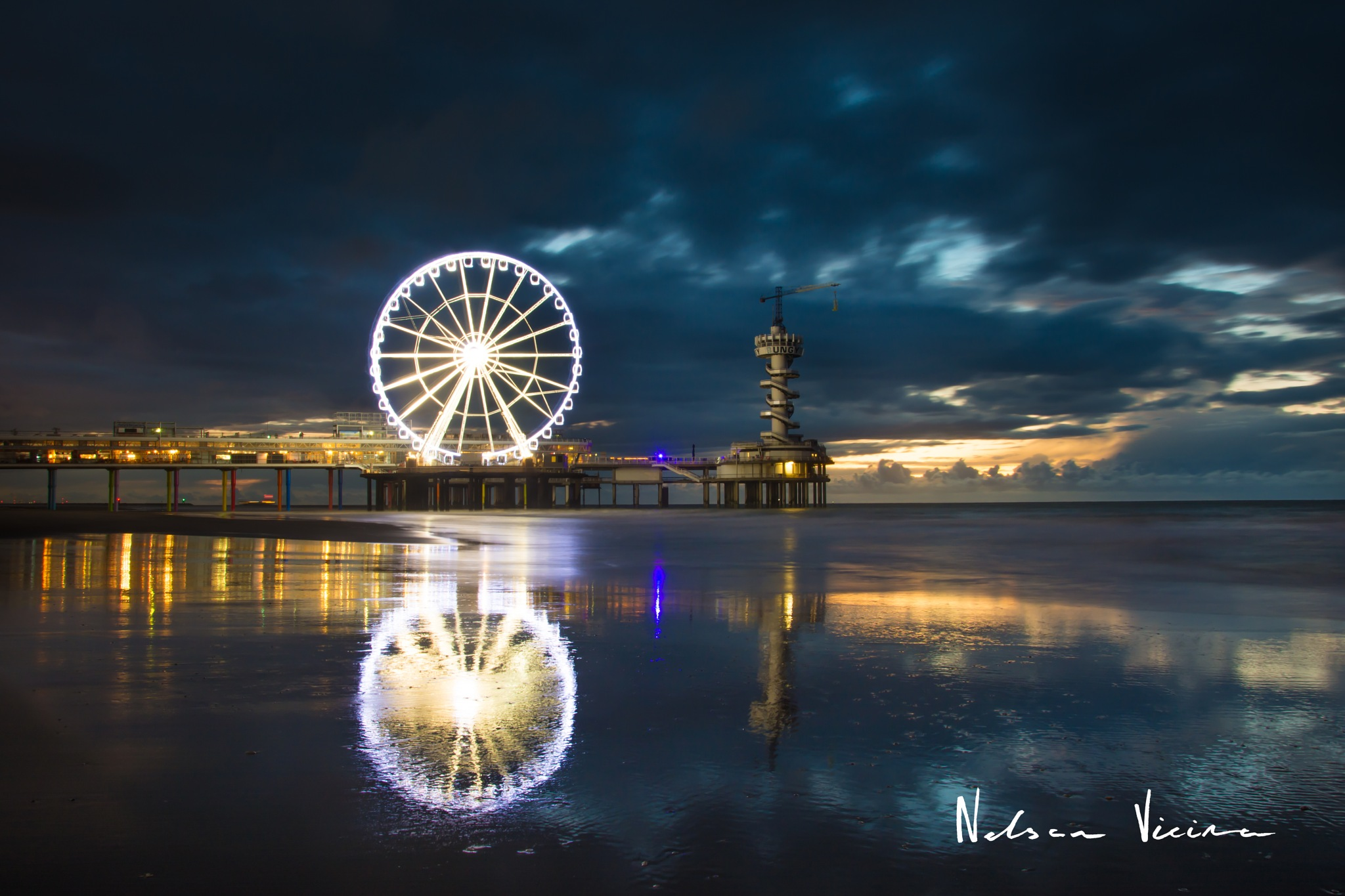 Powerful sky by Nelson Vieira
