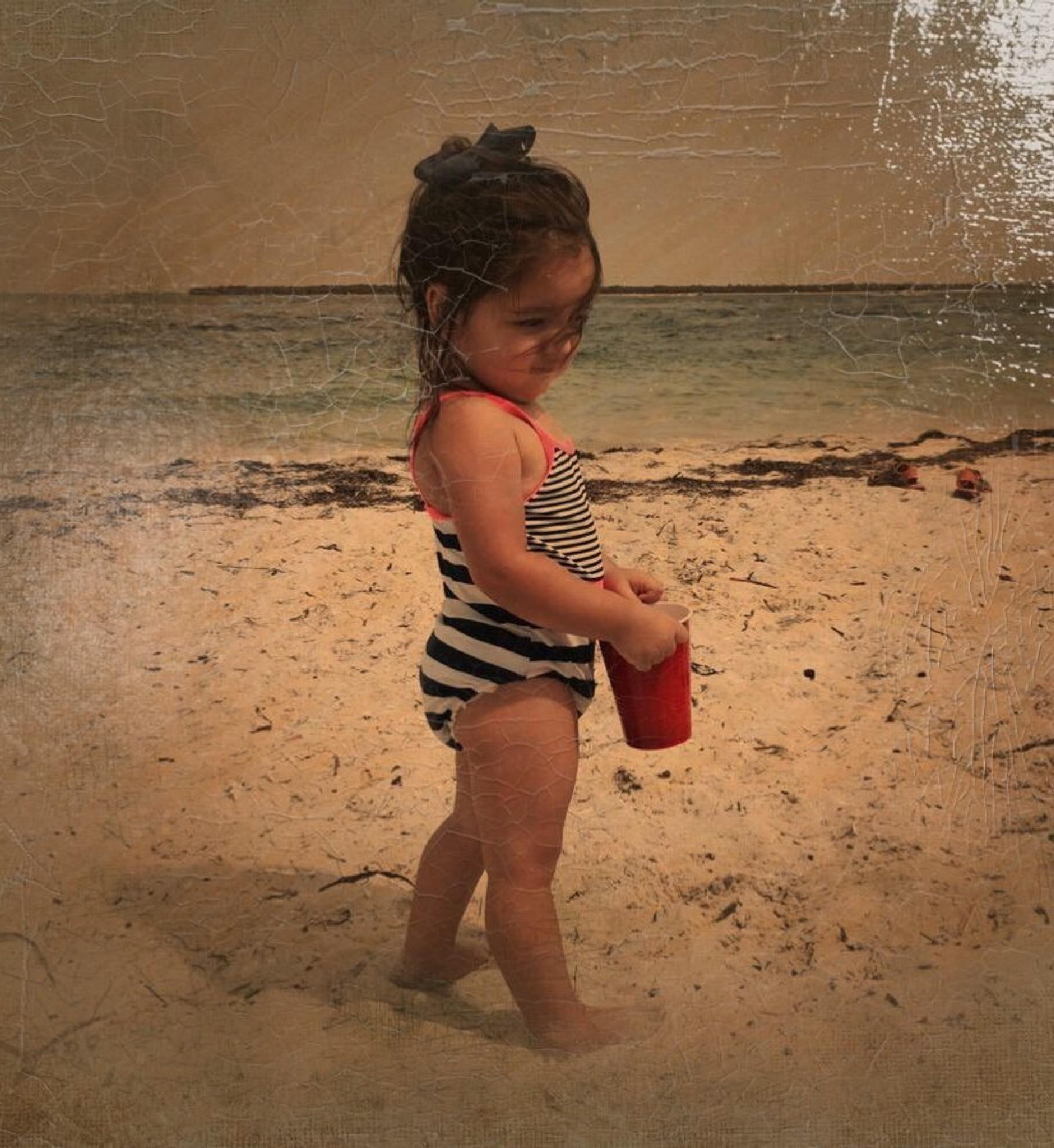 Beach Days by taimyM
