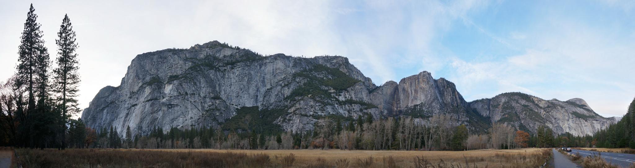 Yosemite Mountains by Flogger