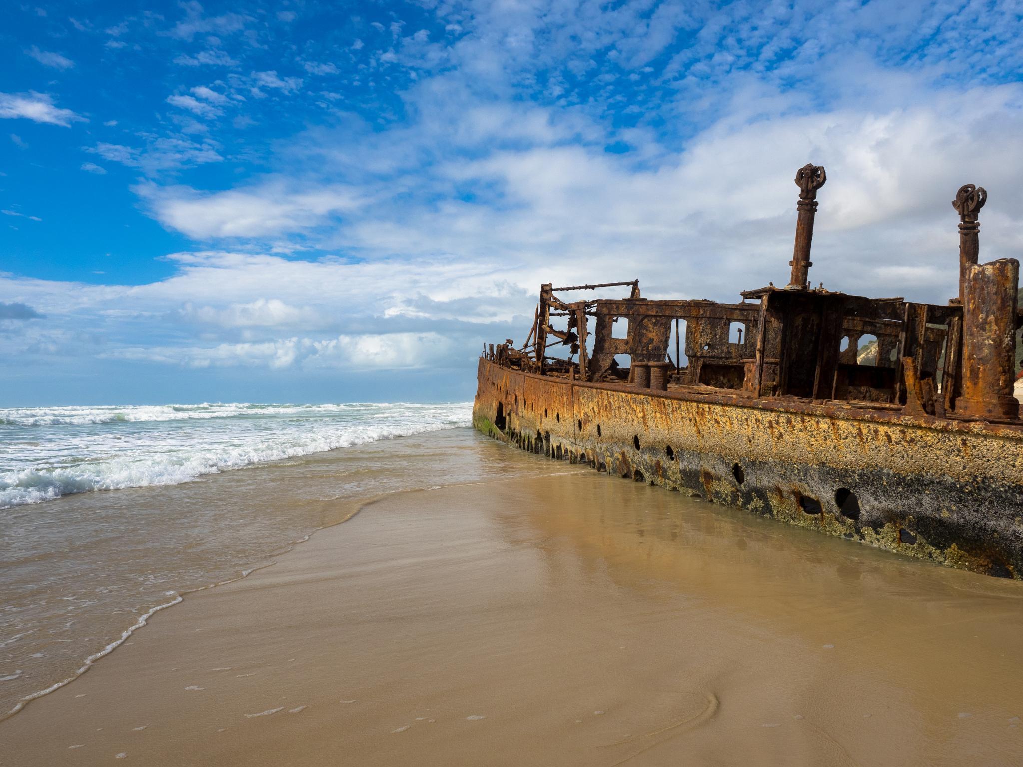 Shipwreck by pixer