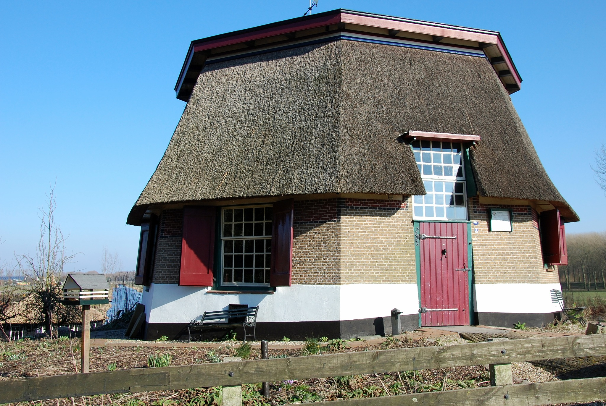 Dutch Octagonal-shaped Cottage by goga.dt