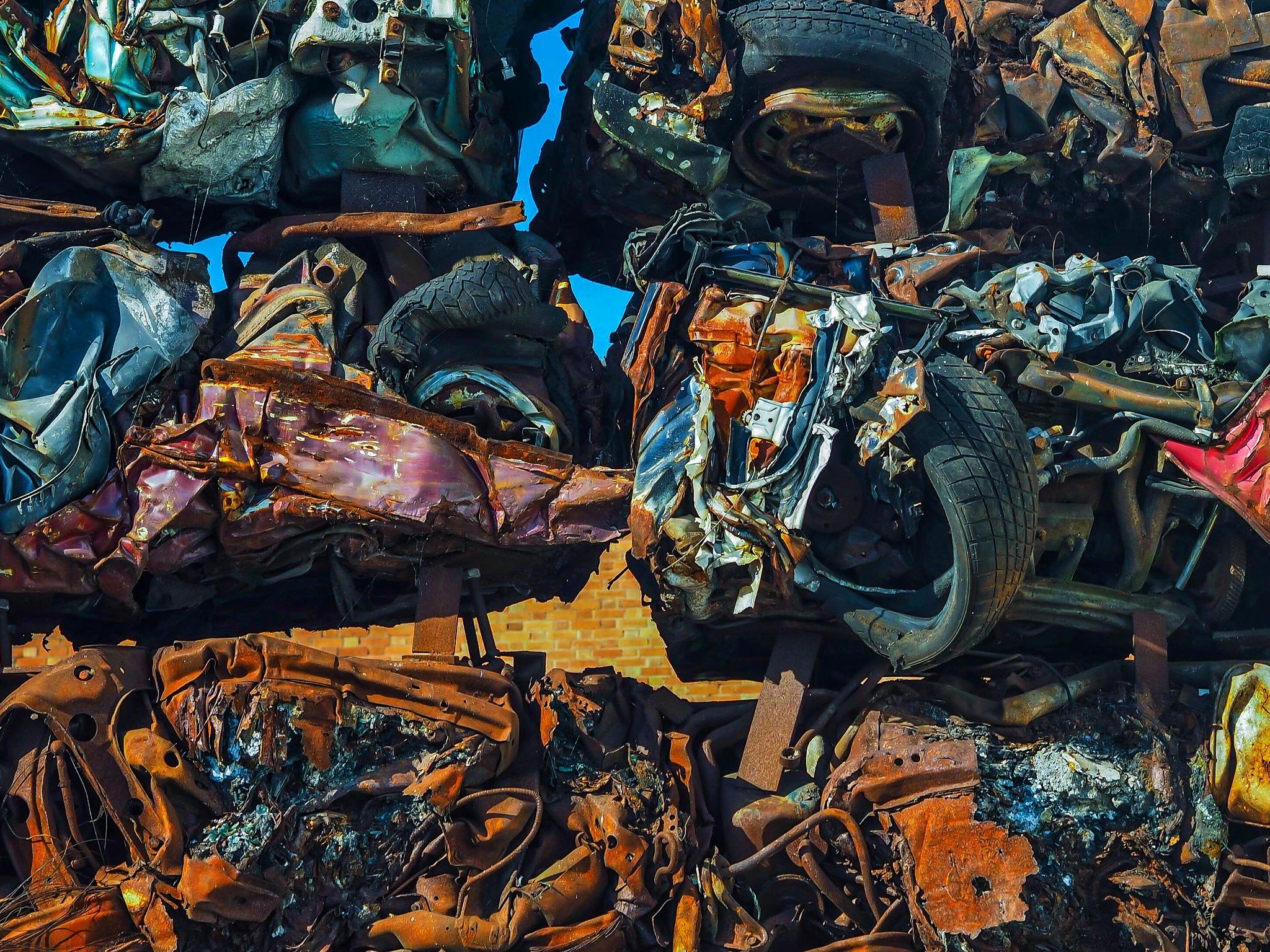 Scrap Cars by VictorBurnside