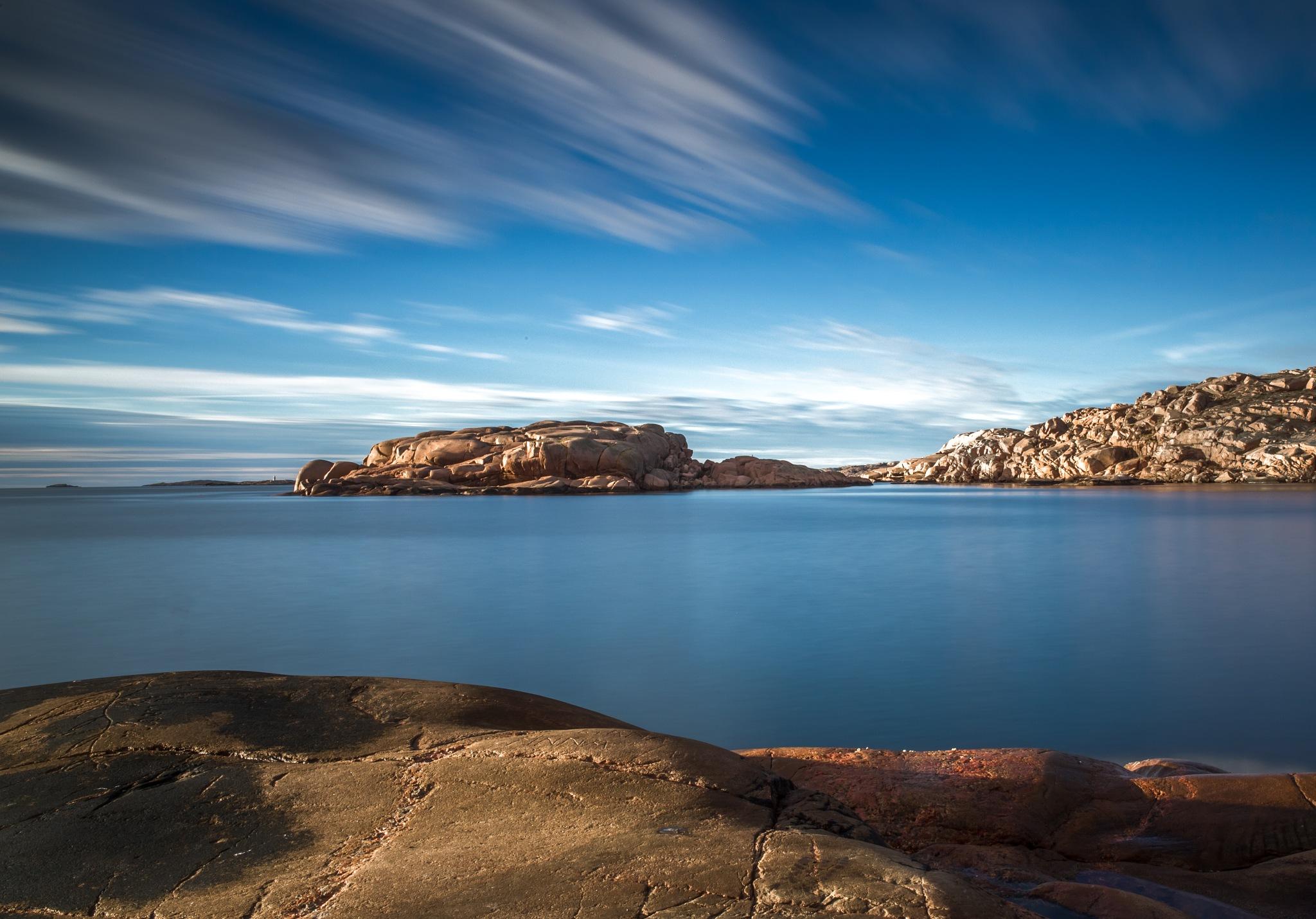 Smooth sea by Pär Ohlson