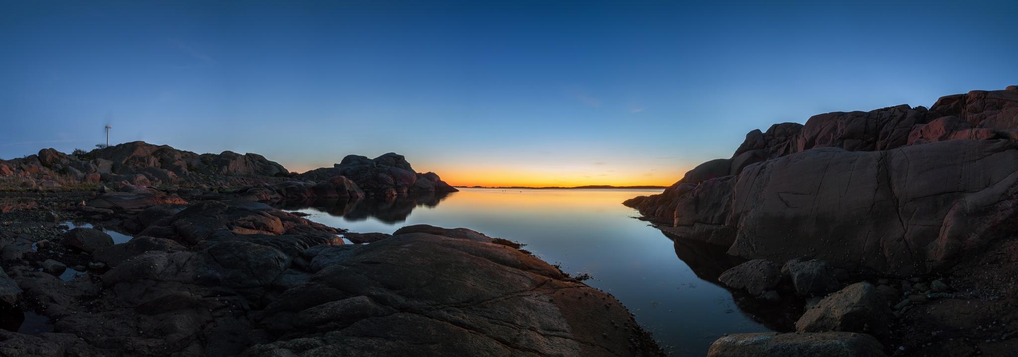 Calm sunset by Pär Ohlson