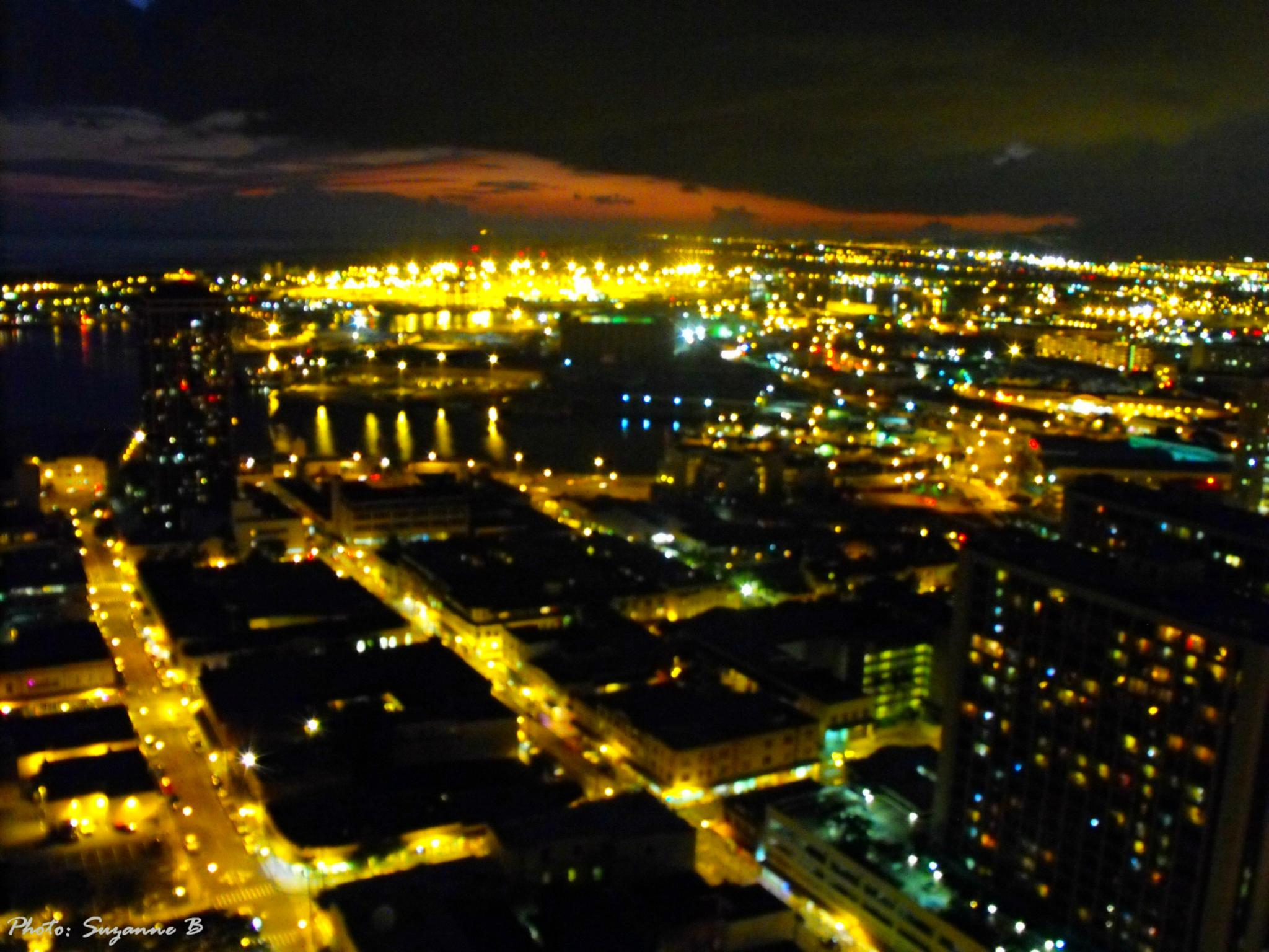 Honolulu...from the 25th Floor by Phashionography