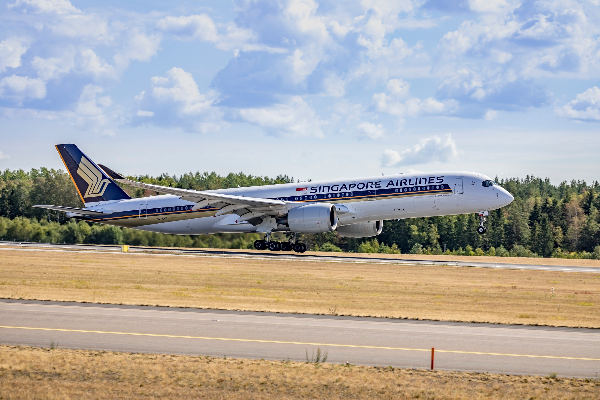 Liftoff for Singapore Airlines by Kim Jonsson
