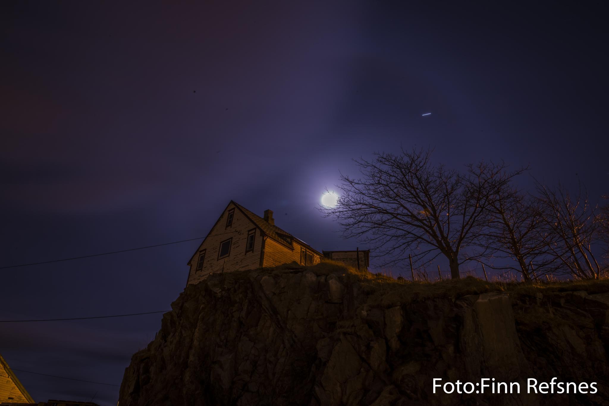 House on the hill by finn.refsnes