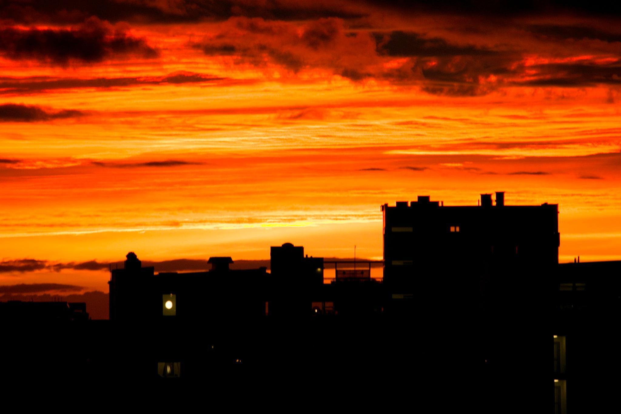 Sunset in Malmö by Dag Thönnersten