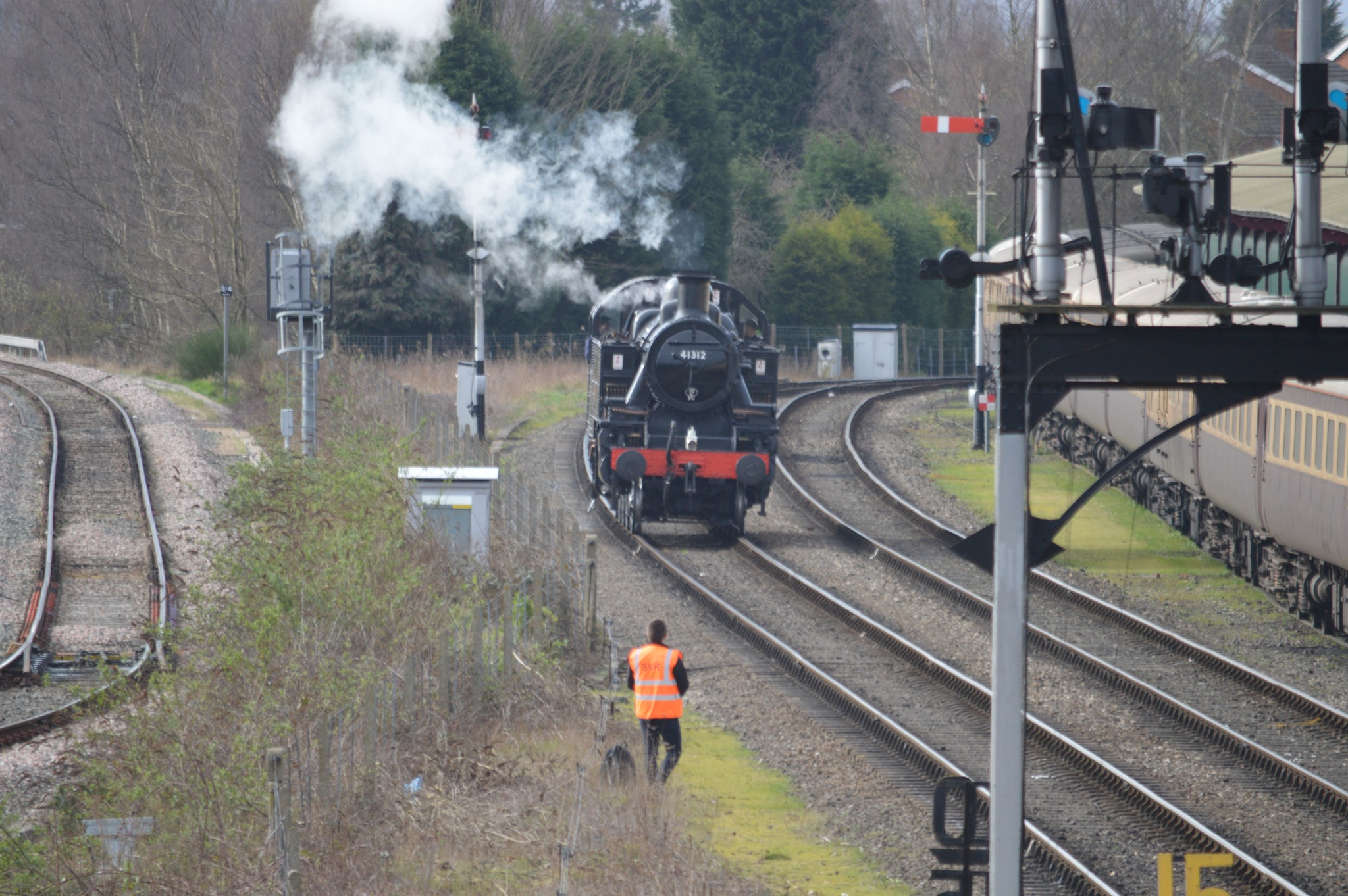 Light Engine  at Kidderminster by adrian.williams.58323