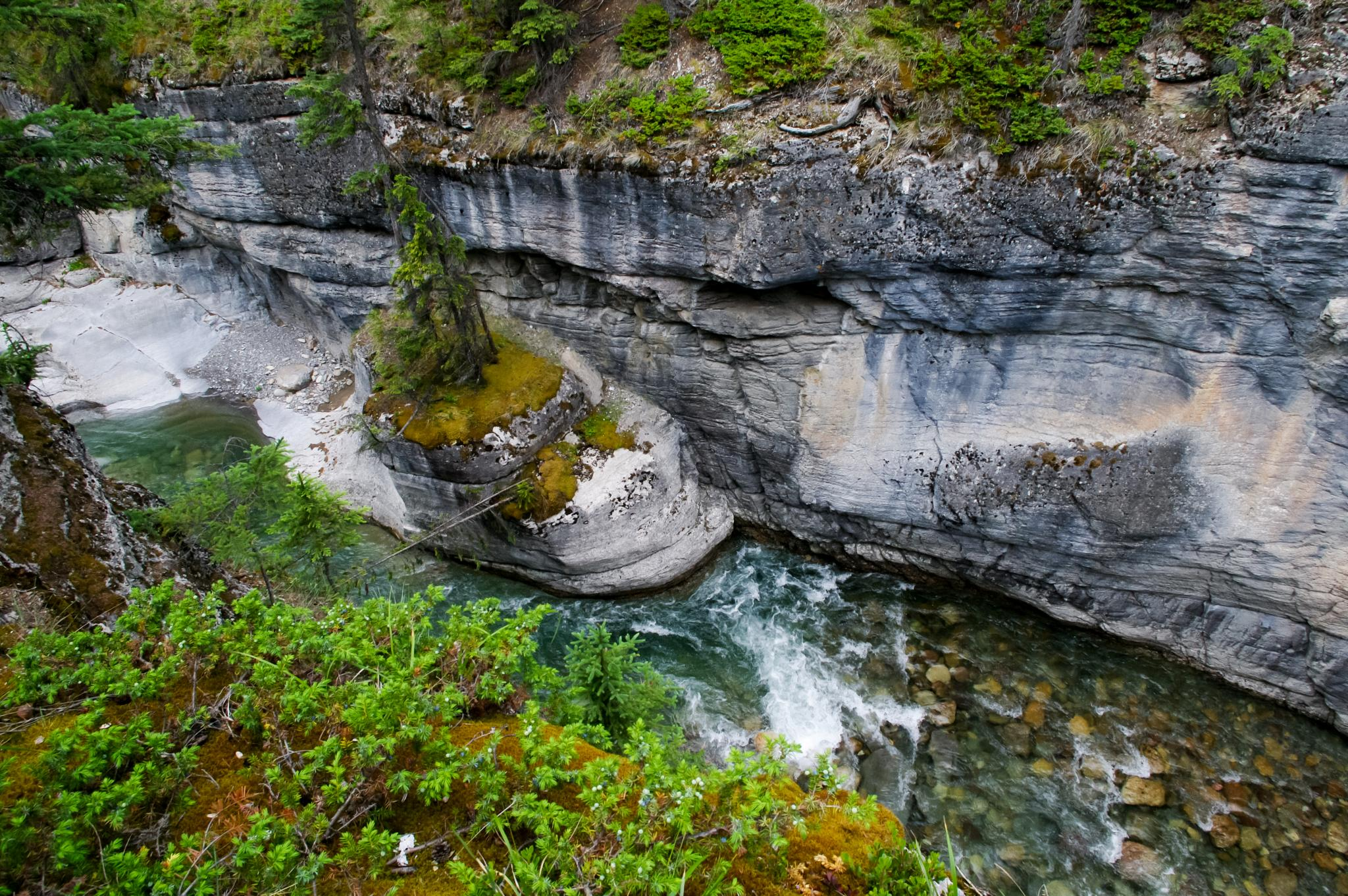 Maligne Canyon by paul.d.forges