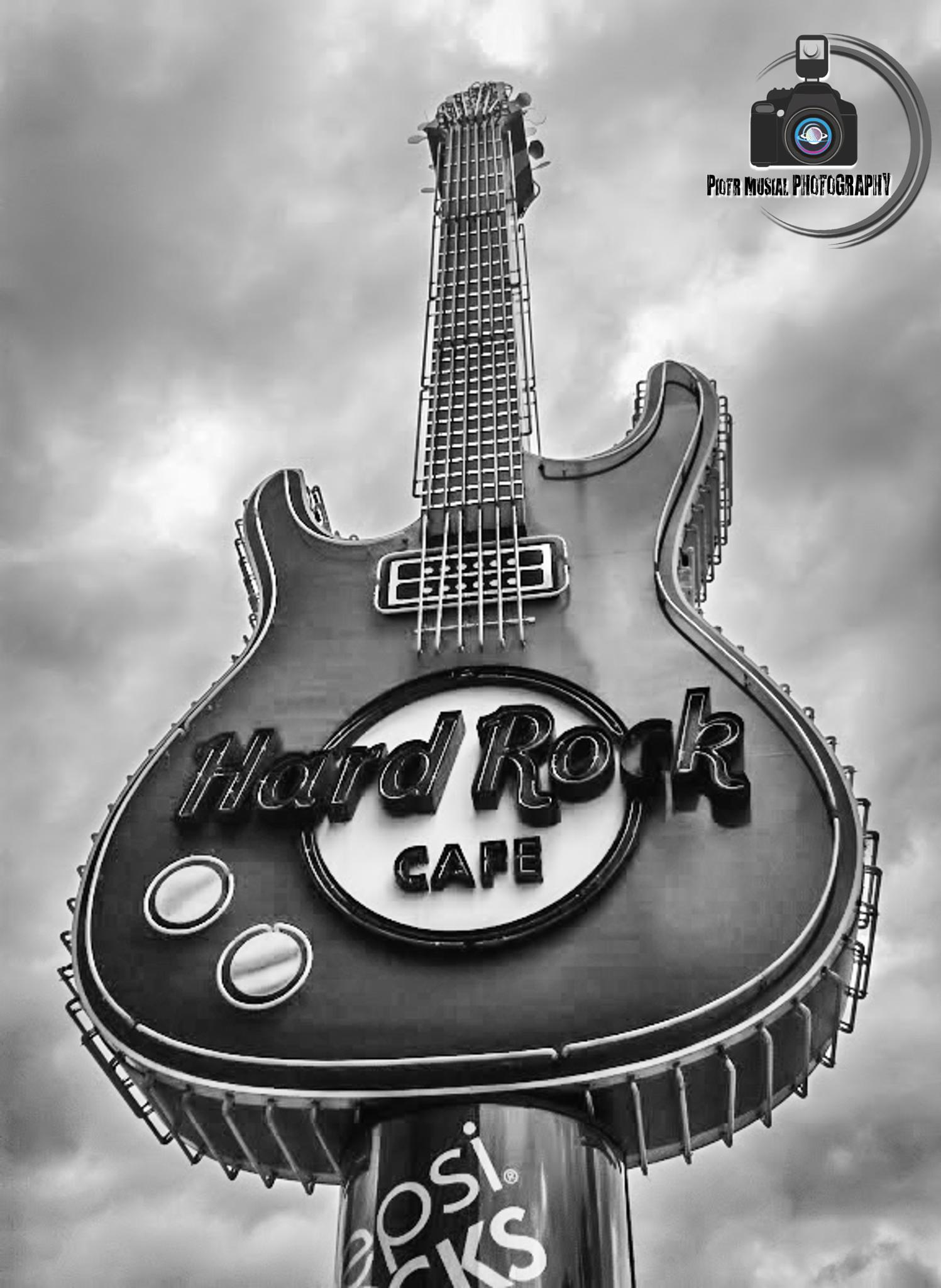 Hard Rock  by Piotr Musiał Photography