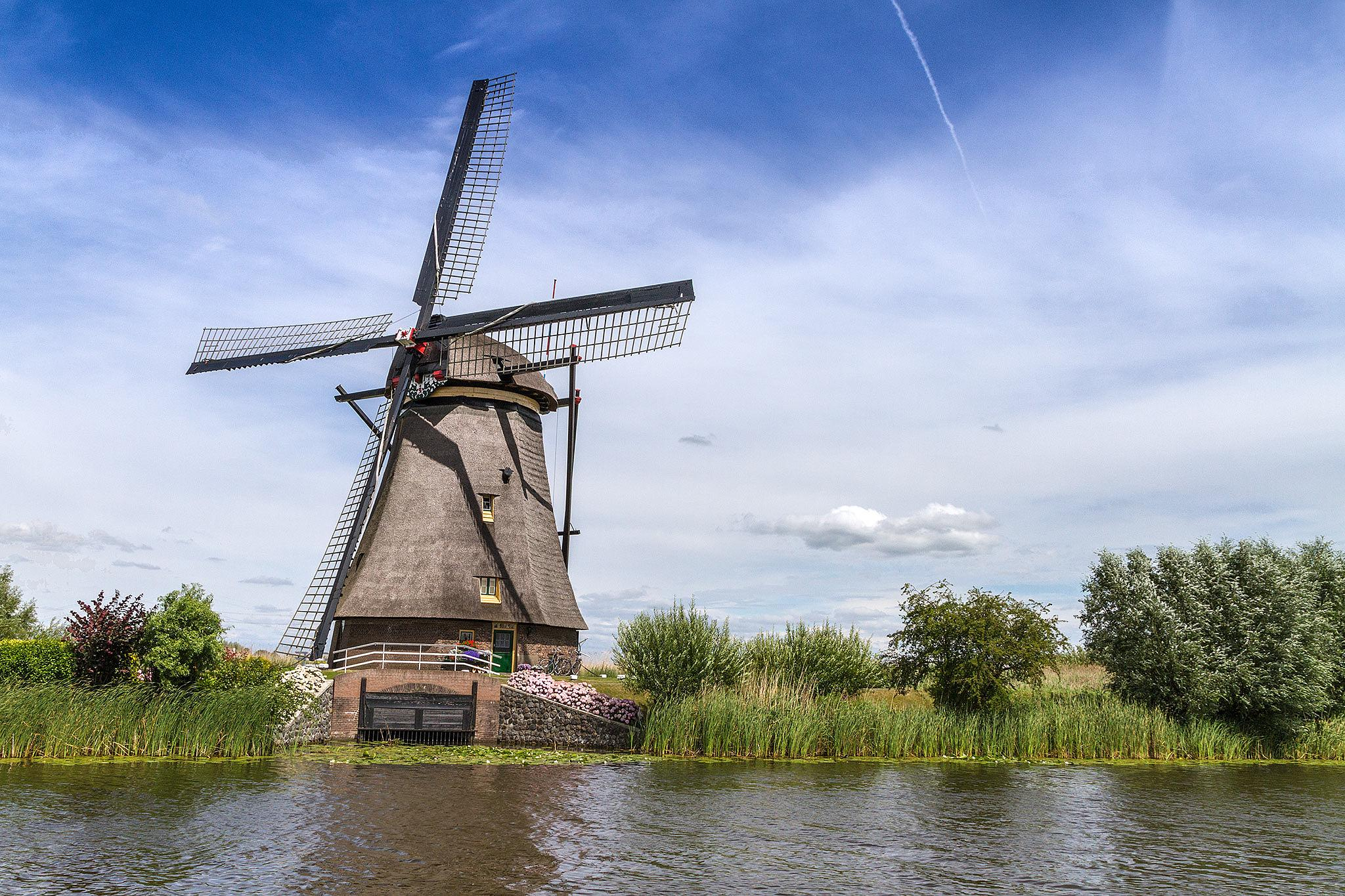 Windmill Overwaard 3 Kinderdijk by Rémon Lourier