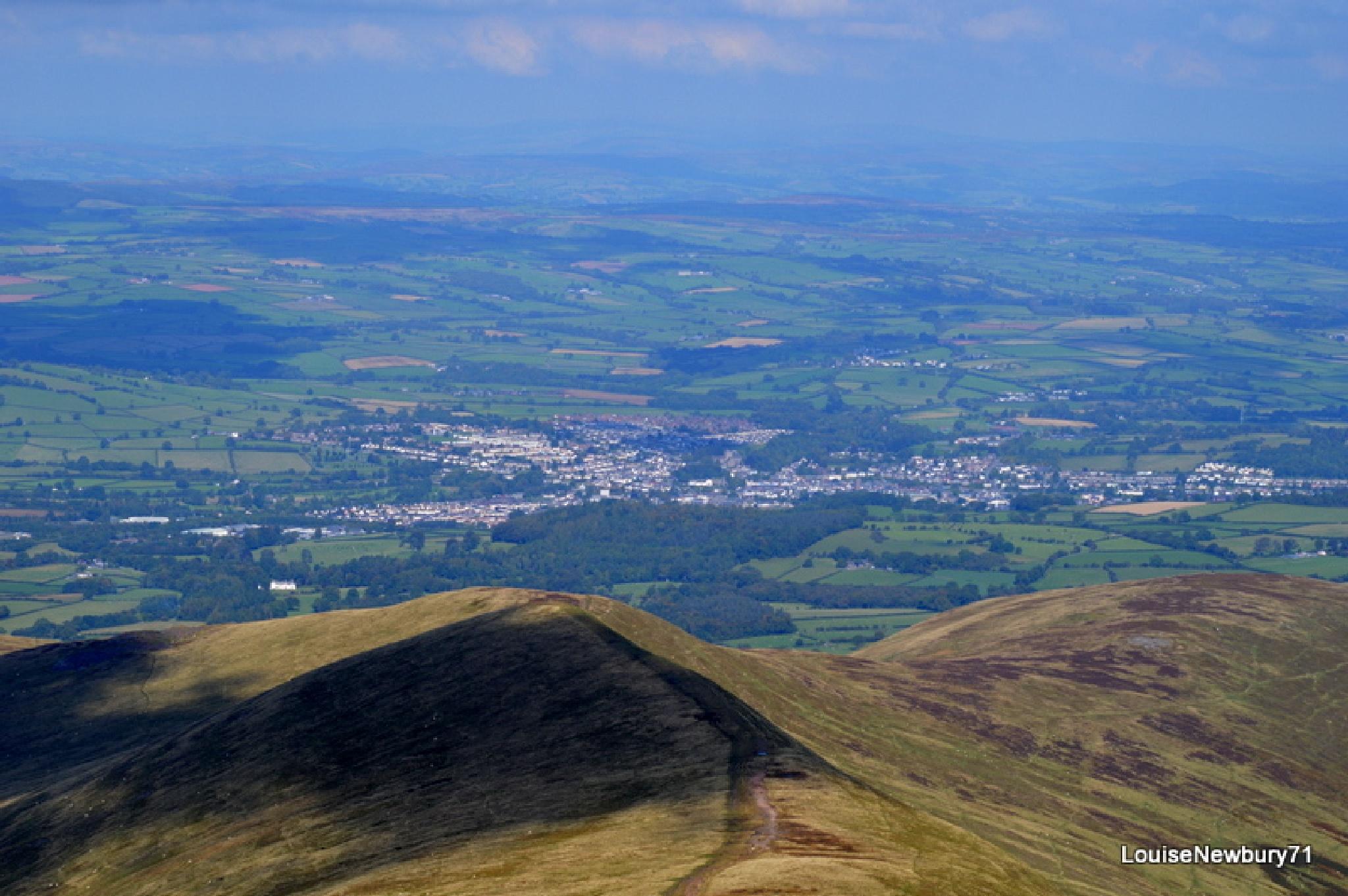 Brecon Town from peak of Pen Y Fan by louise.newbury